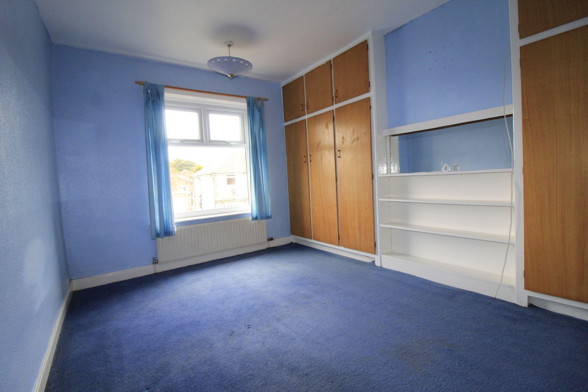 3 bedroom end terraced house To Let in Bradford - Bedroom 2