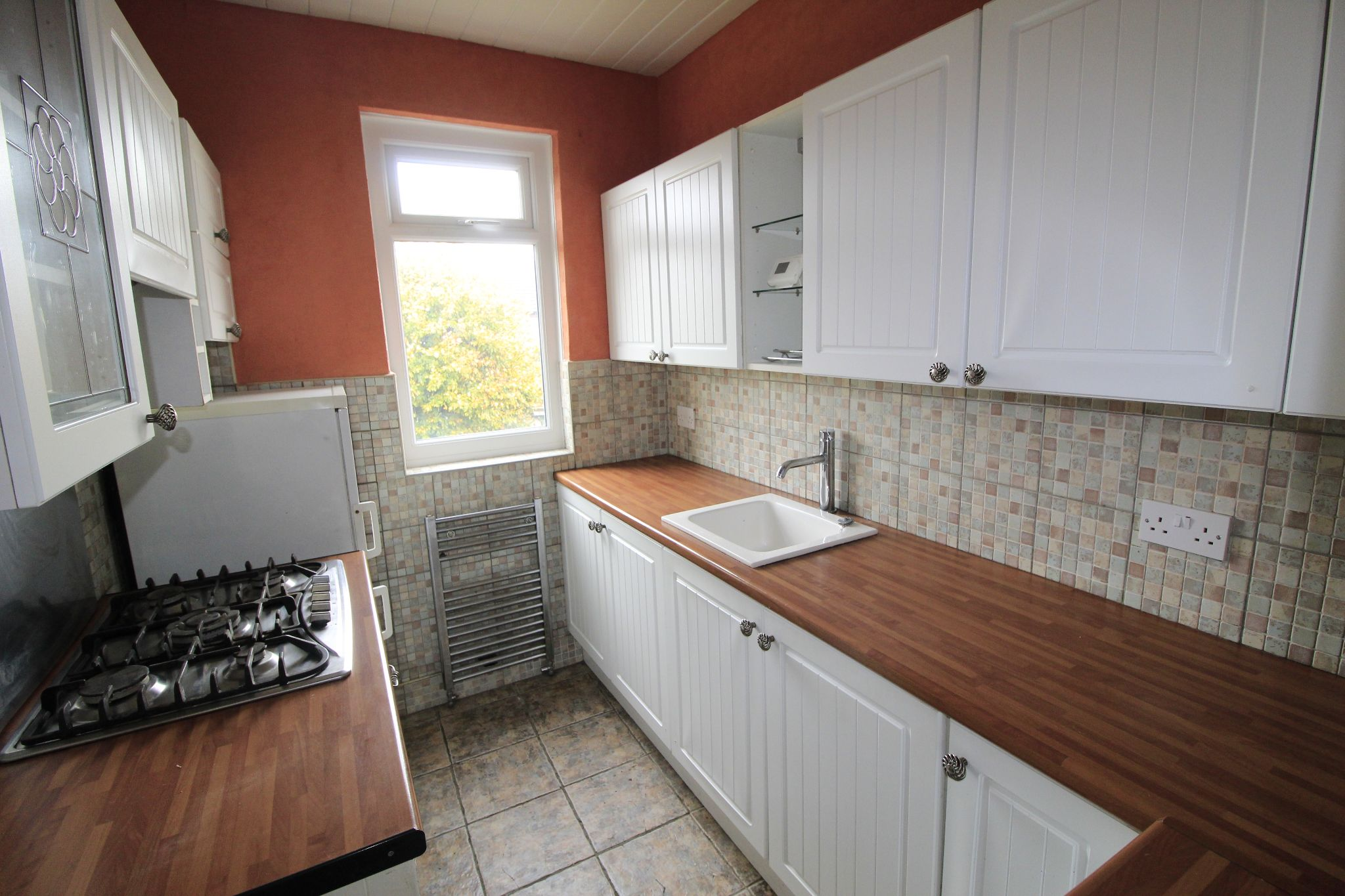 3 bedroom end terraced house Let in Bradford - Kitchen