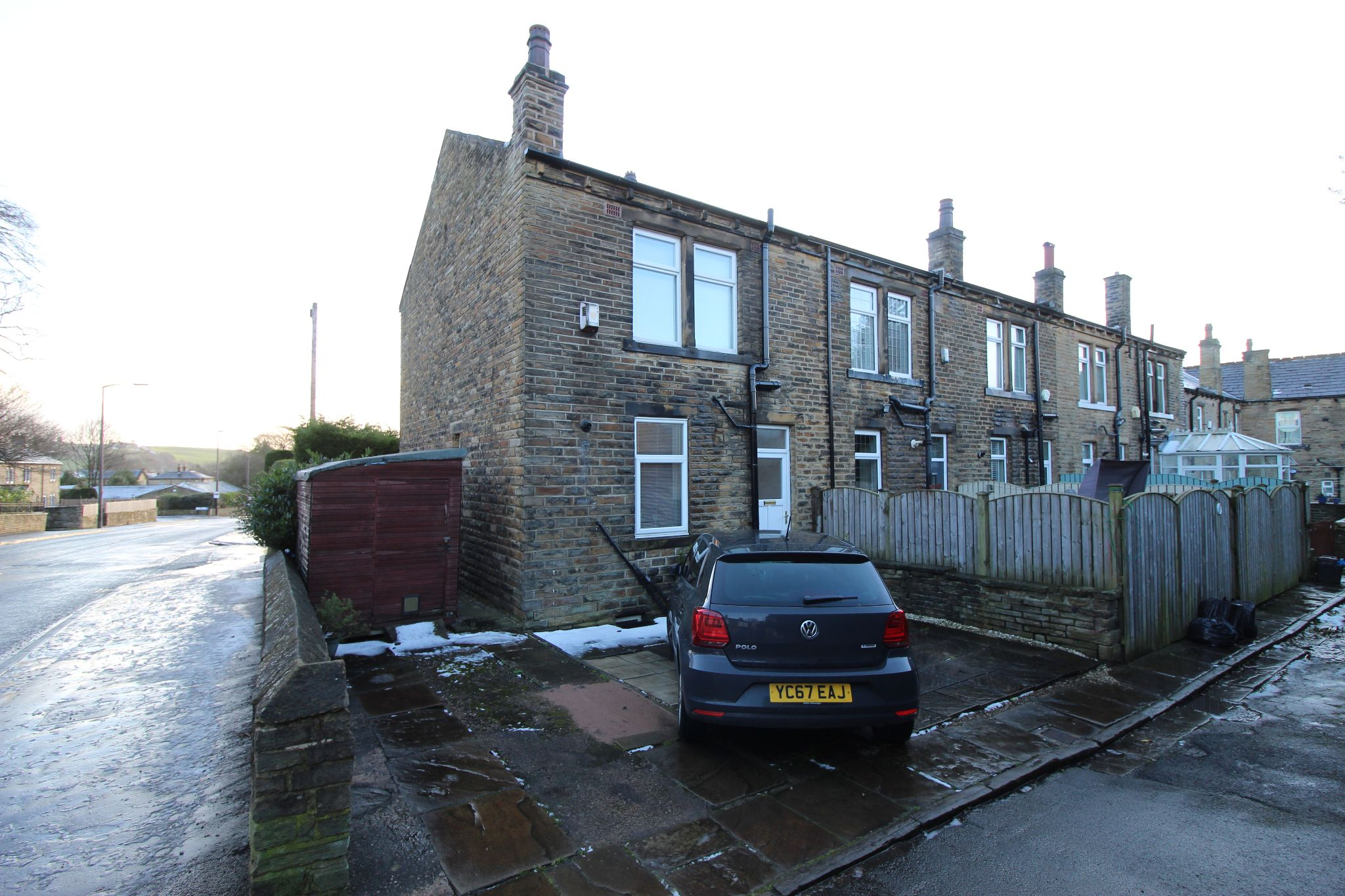 2 bedroom end terraced house Let in Halifax - Rear elevation