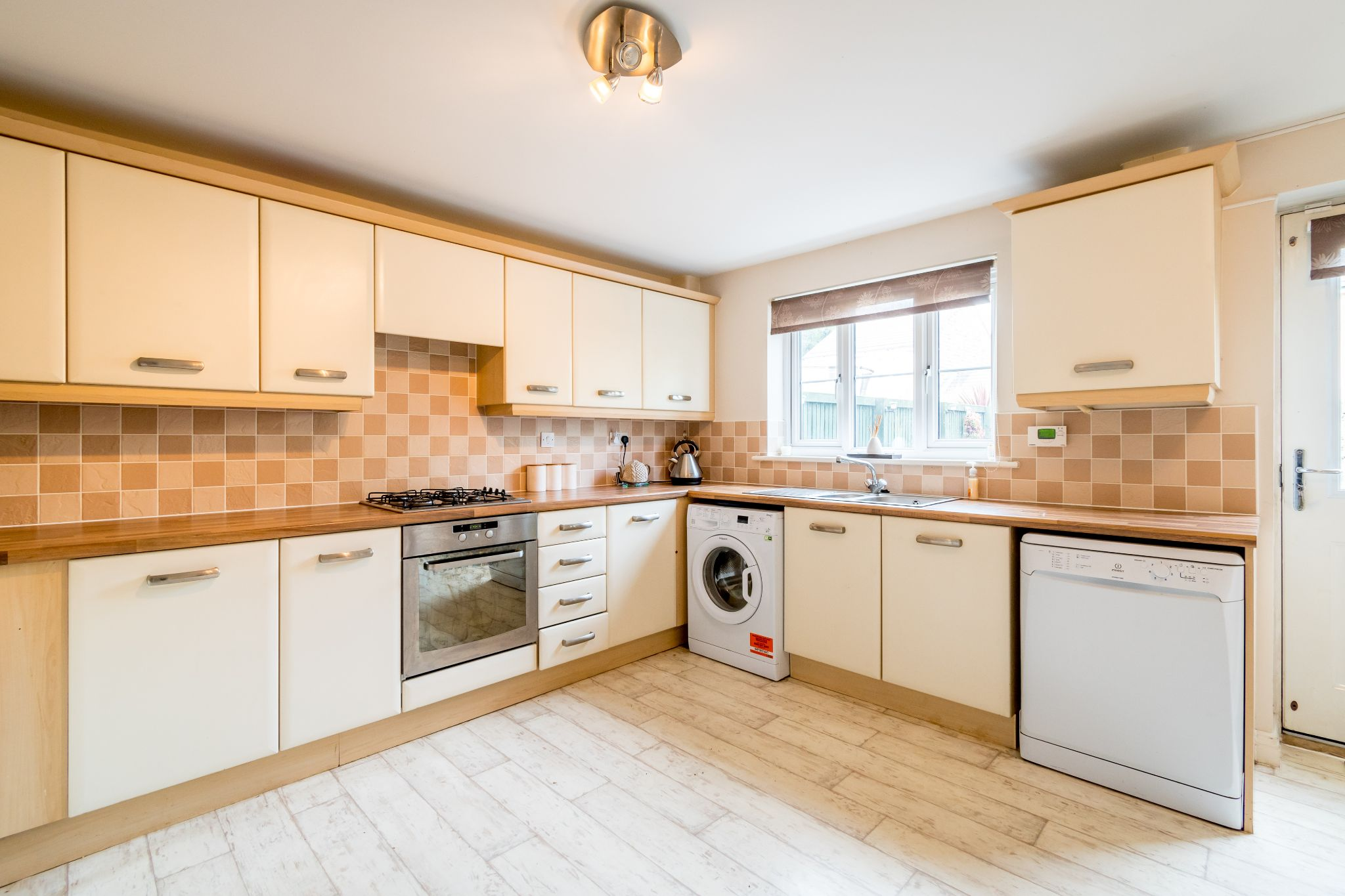 4 bedroom mid terraced house SSTC in Brighouse - Photograph 8