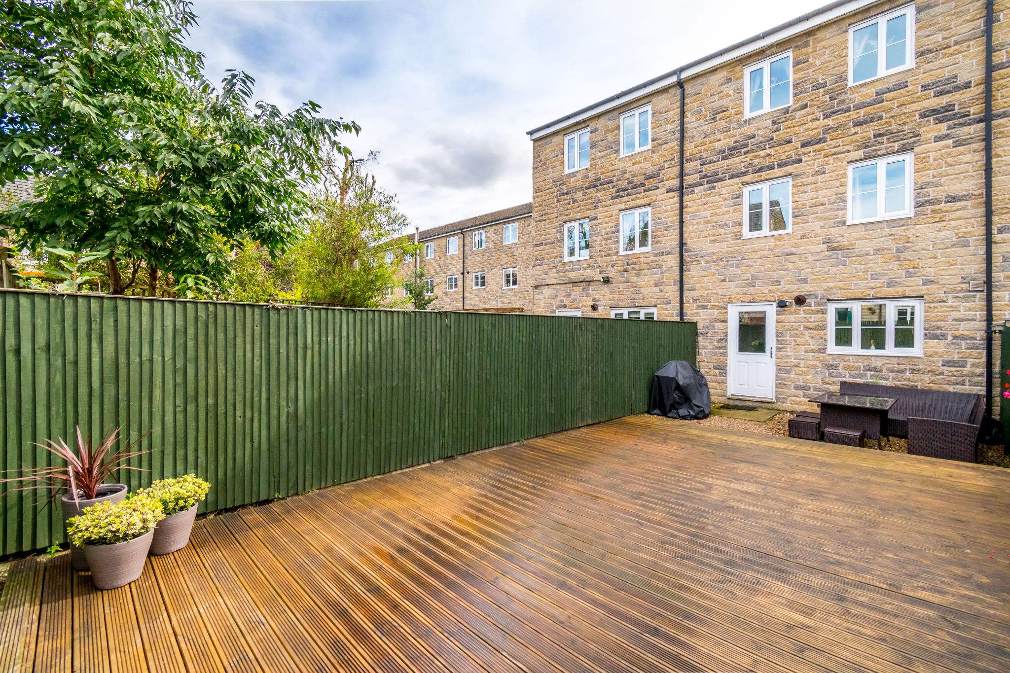 4 bedroom mid terraced house SSTC in Brighouse - Photograph 24