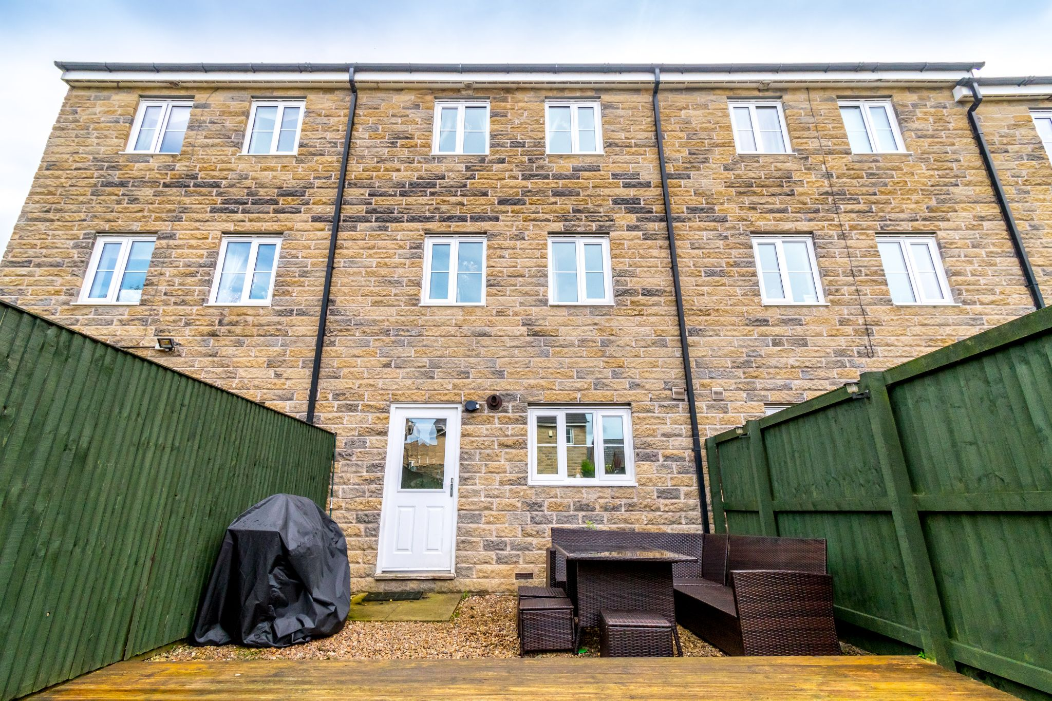 4 bedroom mid terraced house SSTC in Brighouse - Photograph 25