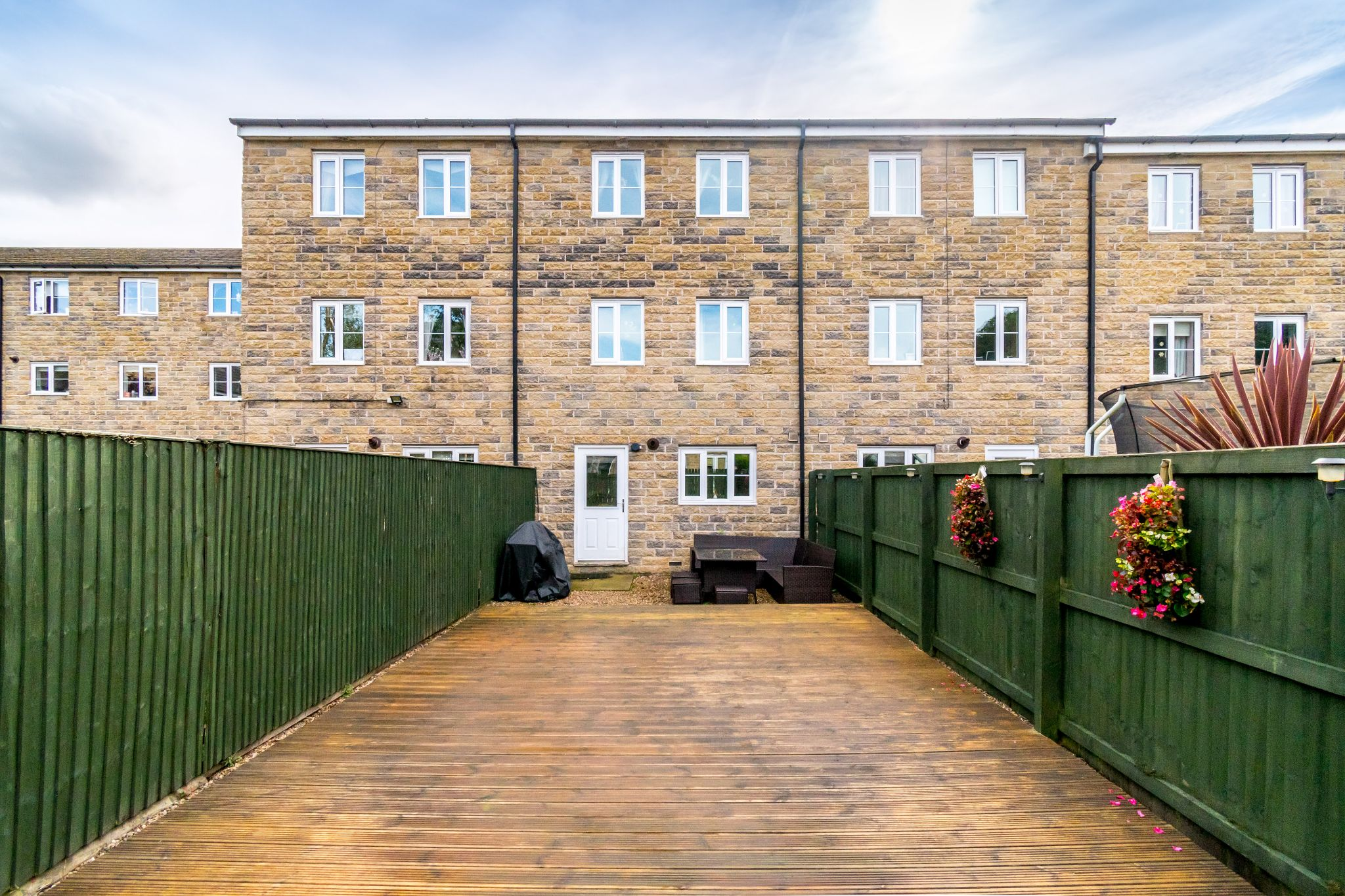 4 bedroom mid terraced house SSTC in Brighouse - Photograph 23