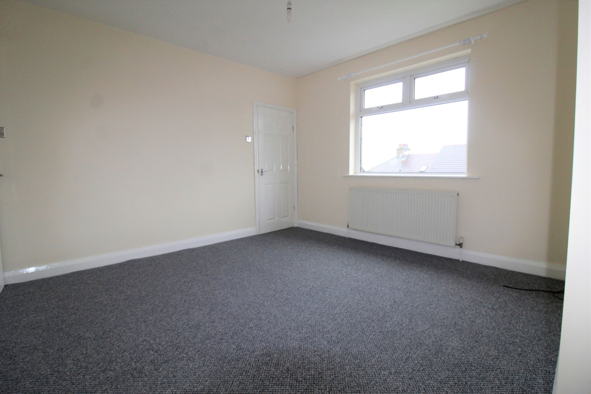 2 bedroom mid terraced house Let in Brighouse - Photograph 7