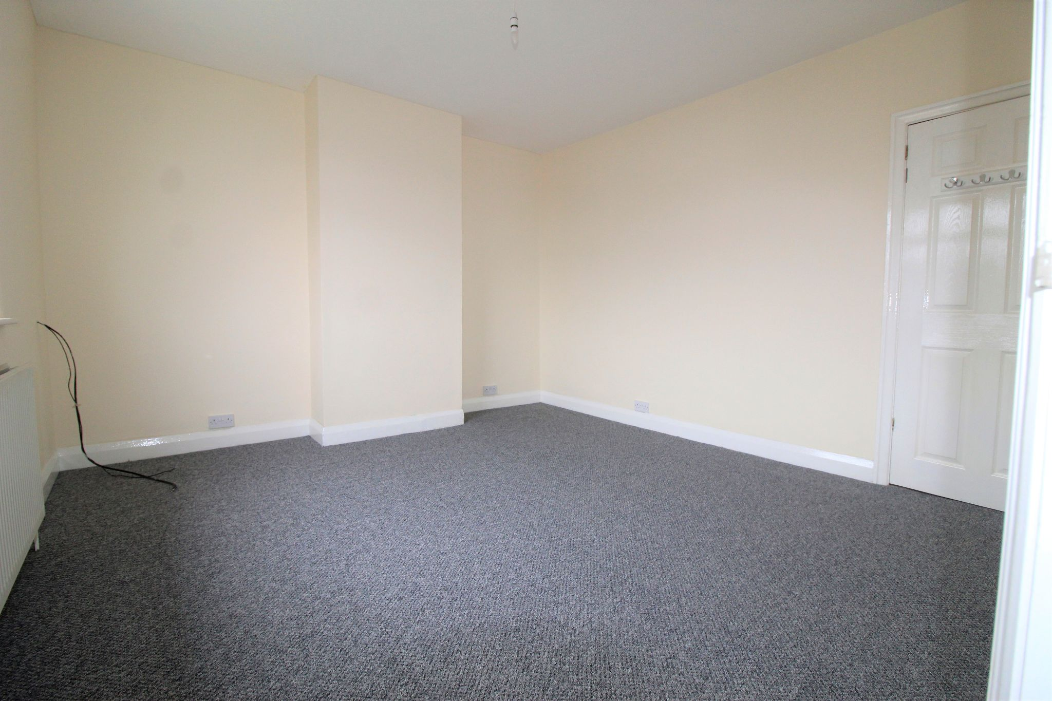 2 bedroom mid terraced house Let in Brighouse - Photograph 6