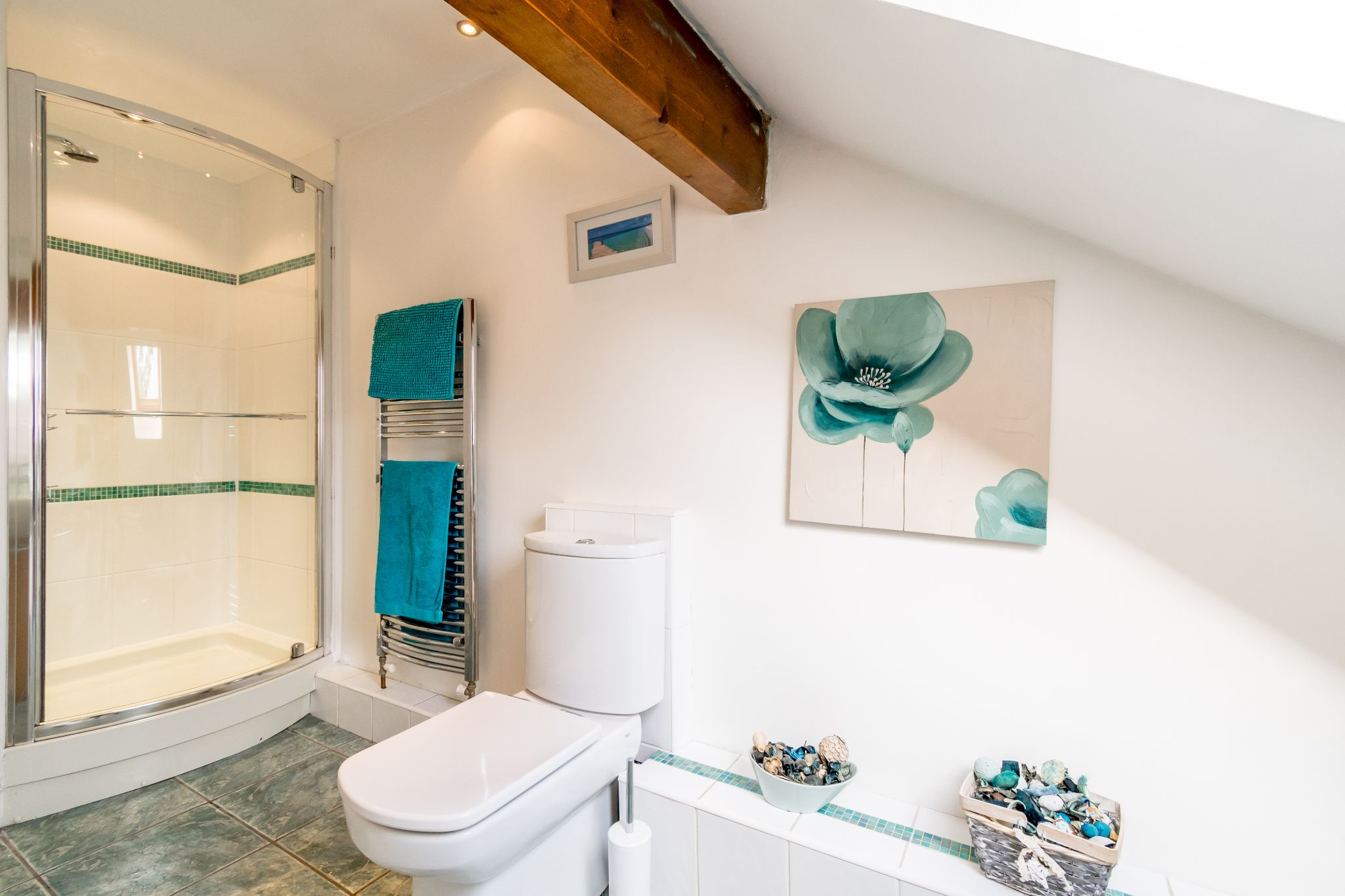 5 bedroom detached house For Sale in Brighouse - Shower room