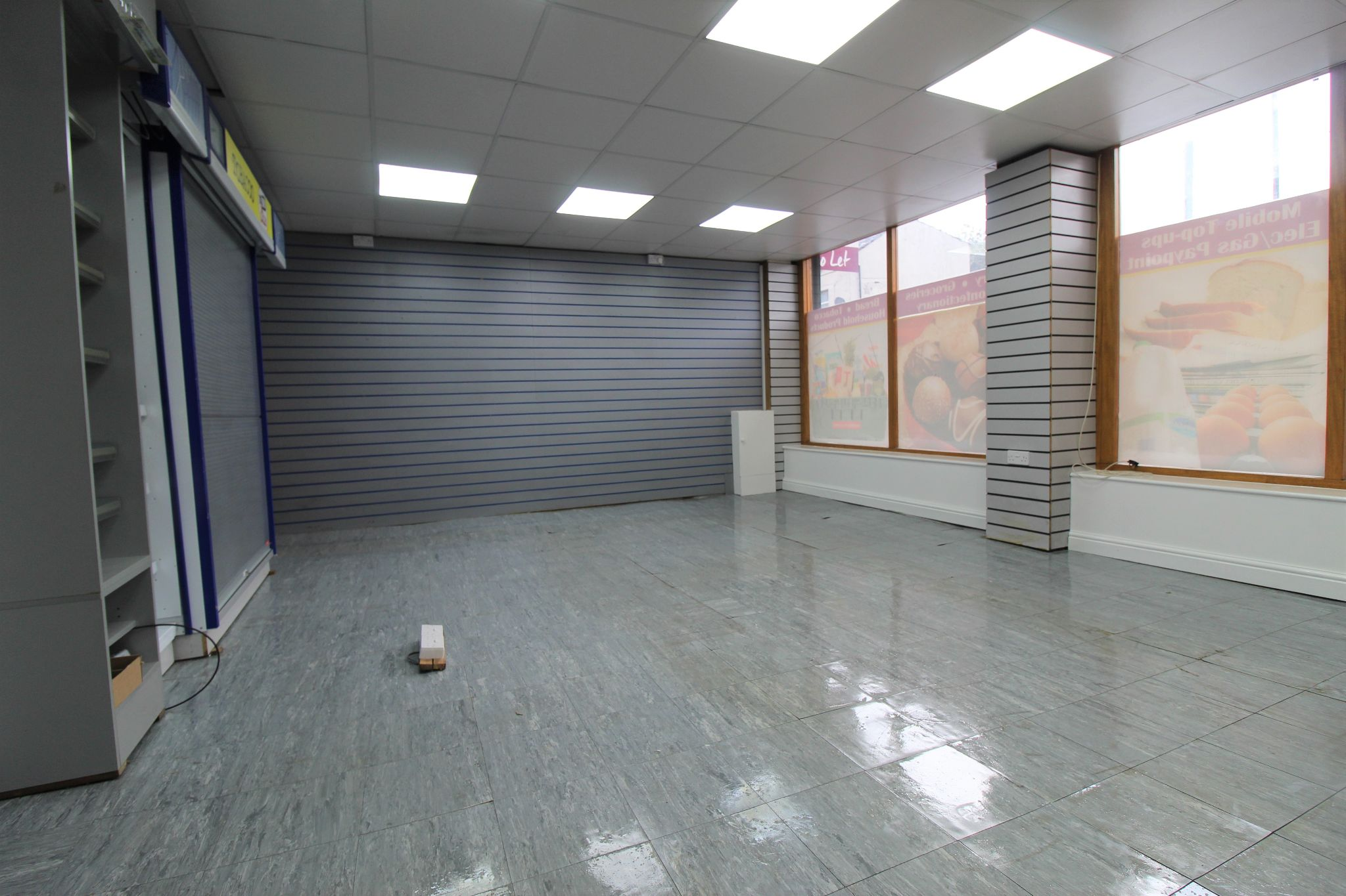 Empty Retail Premises To Let in Huddersfield - Retail area