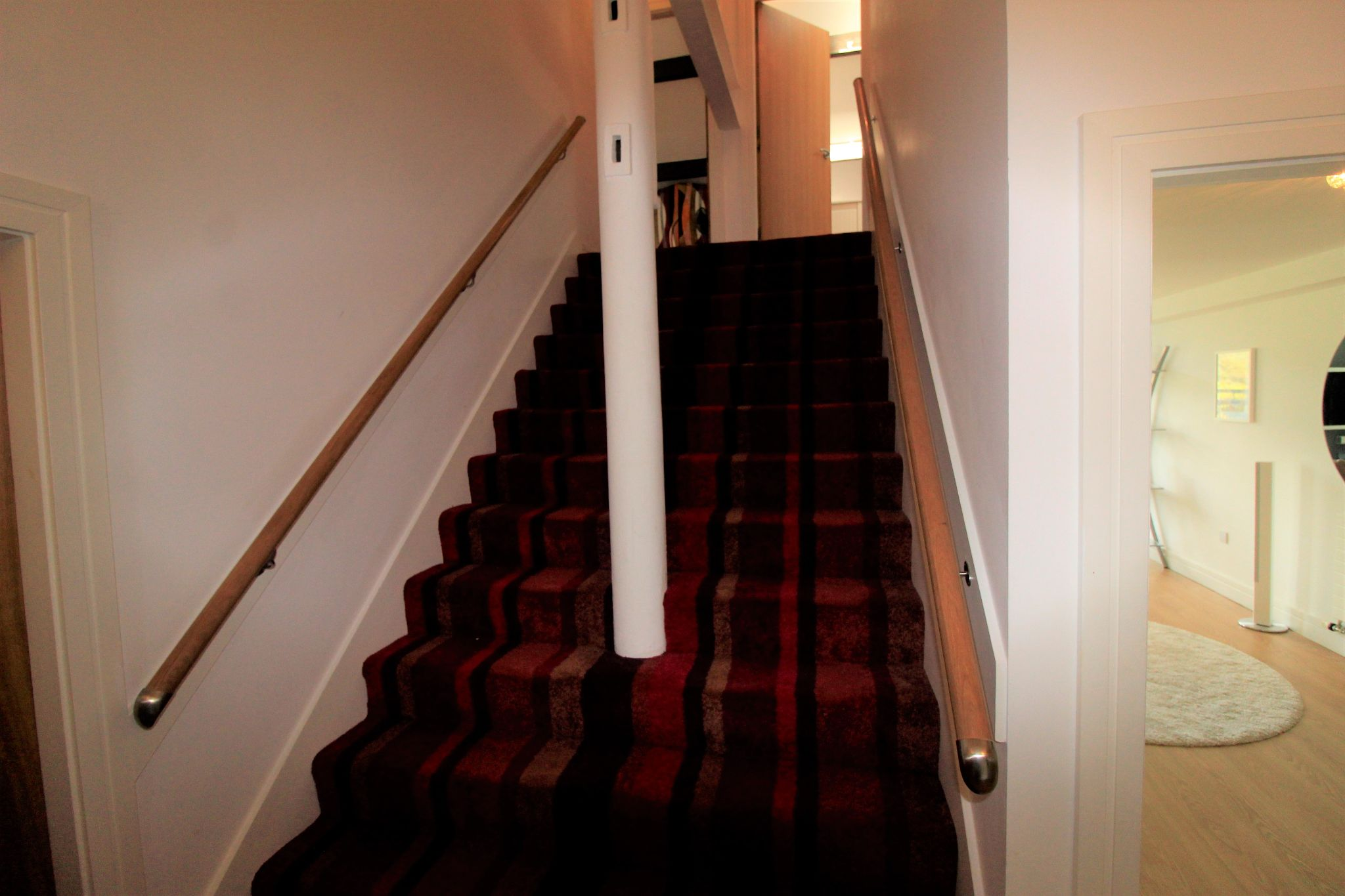 2 bedroom penthouse flat/apartment Let in Huddersfield - Photograph 9