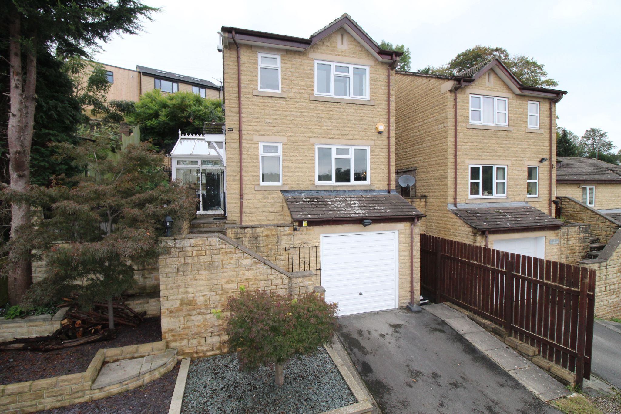 3 bedroom detached house For Sale in Brighouse - Front elevation