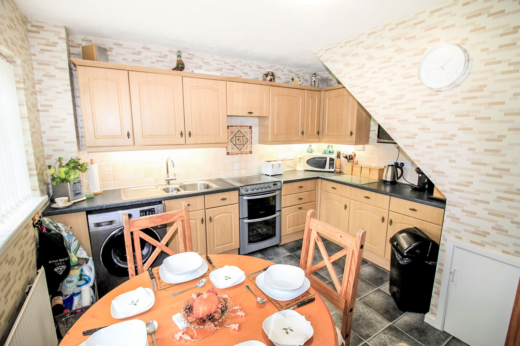 3 bedroom semi-detached house For Sale in Bradford - Dining Kitchen