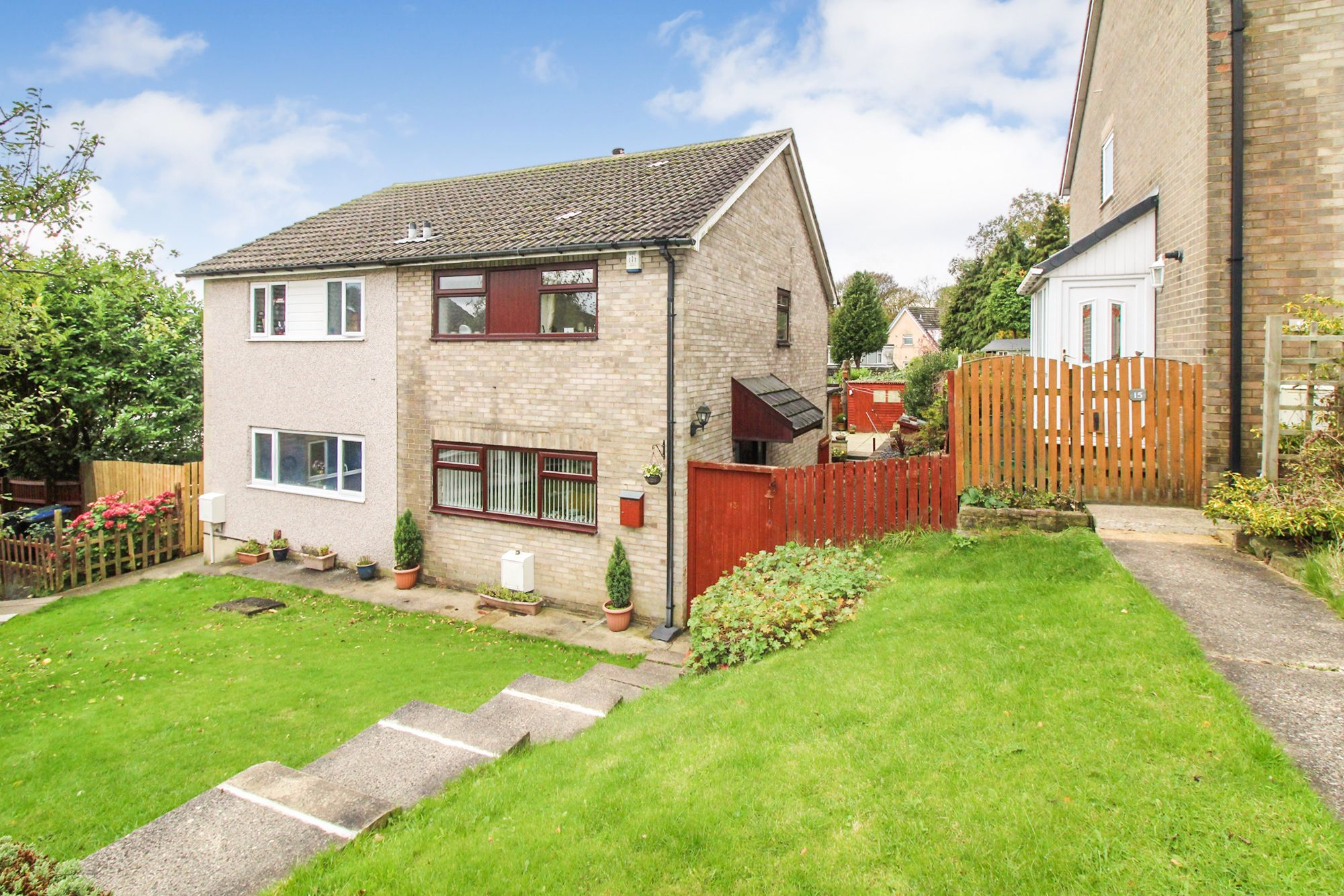 3 bedroom semi-detached house For Sale in Bradford - Front Elevation