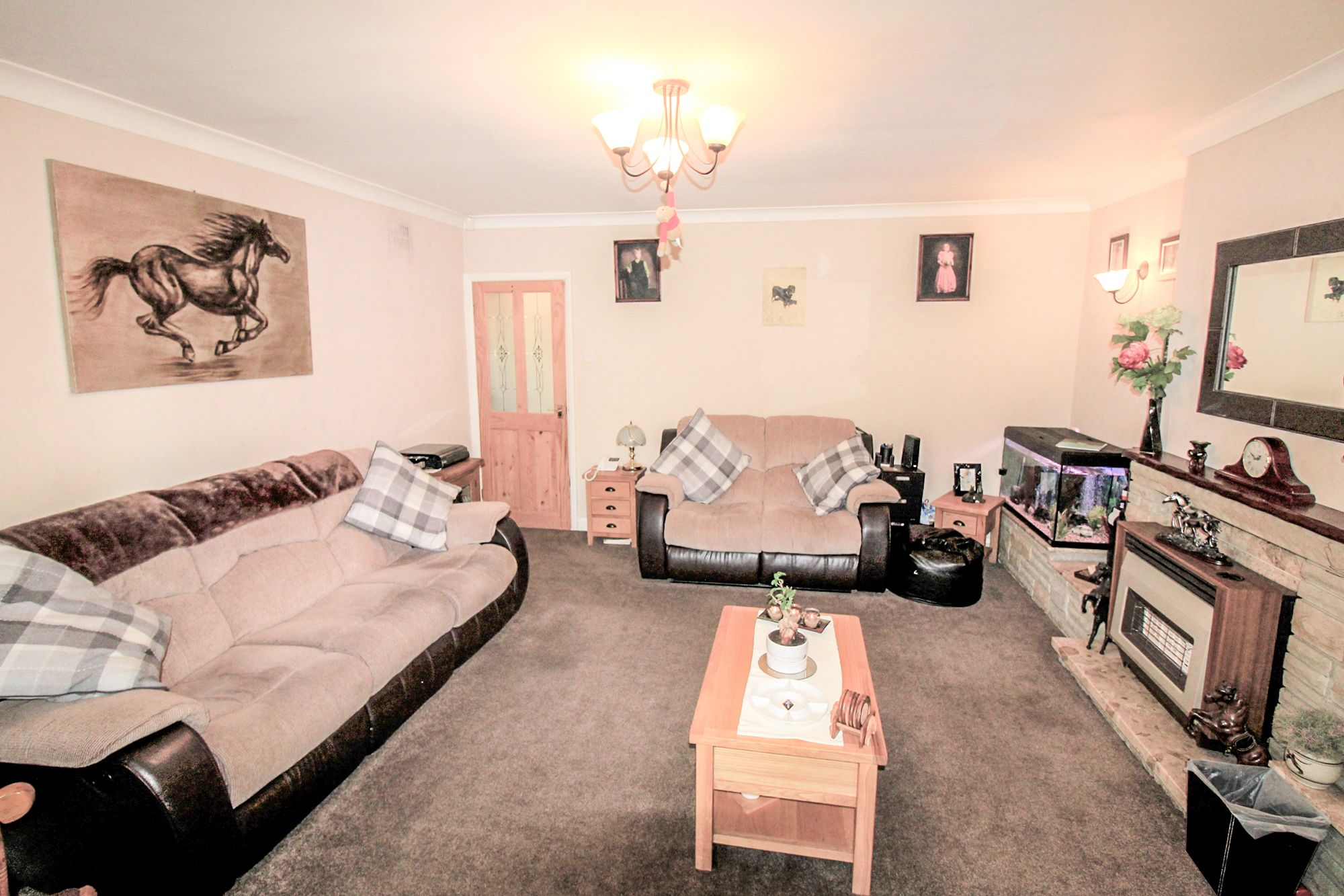 3 bedroom semi-detached house For Sale in Bradford - Lounge