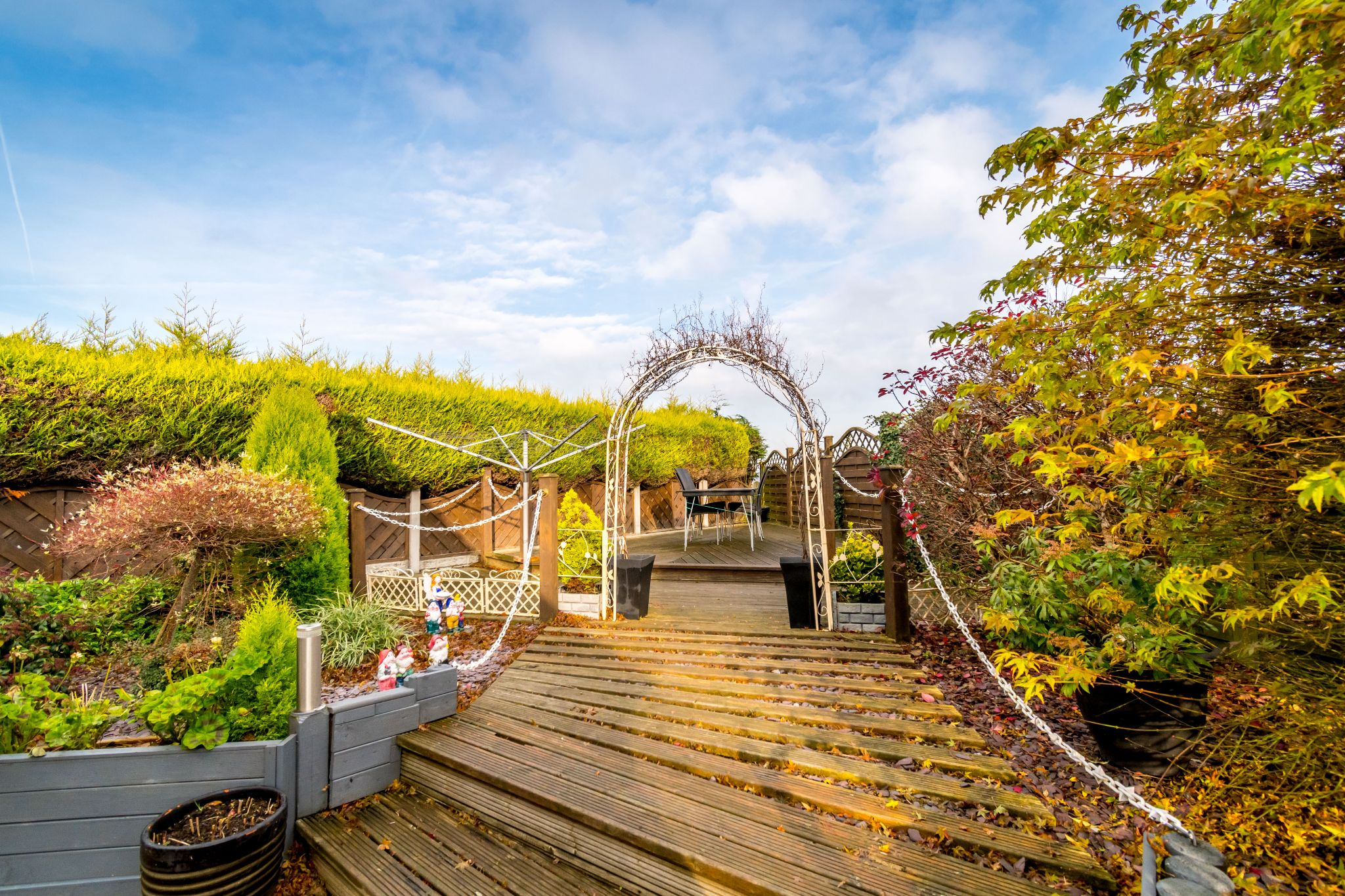 3 bedroom detached bungalow For Sale in Hove Edge - Decked area