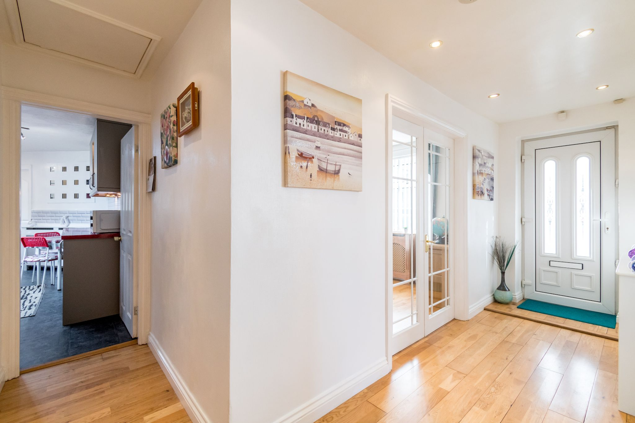 3 bedroom detached bungalow For Sale in Hove Edge - Entrance hall