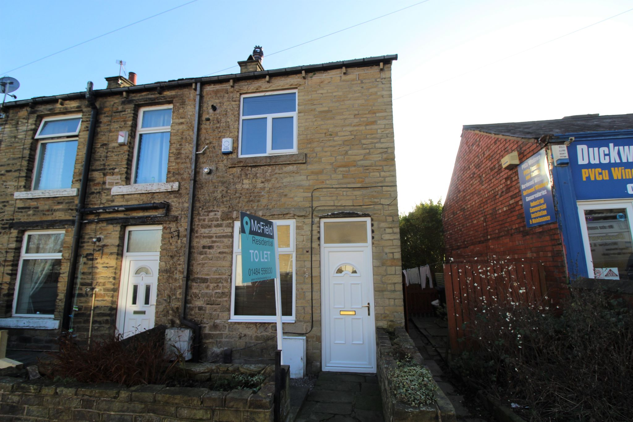 2 bedroom end terraced house Let in Brighouse - Photograph 11