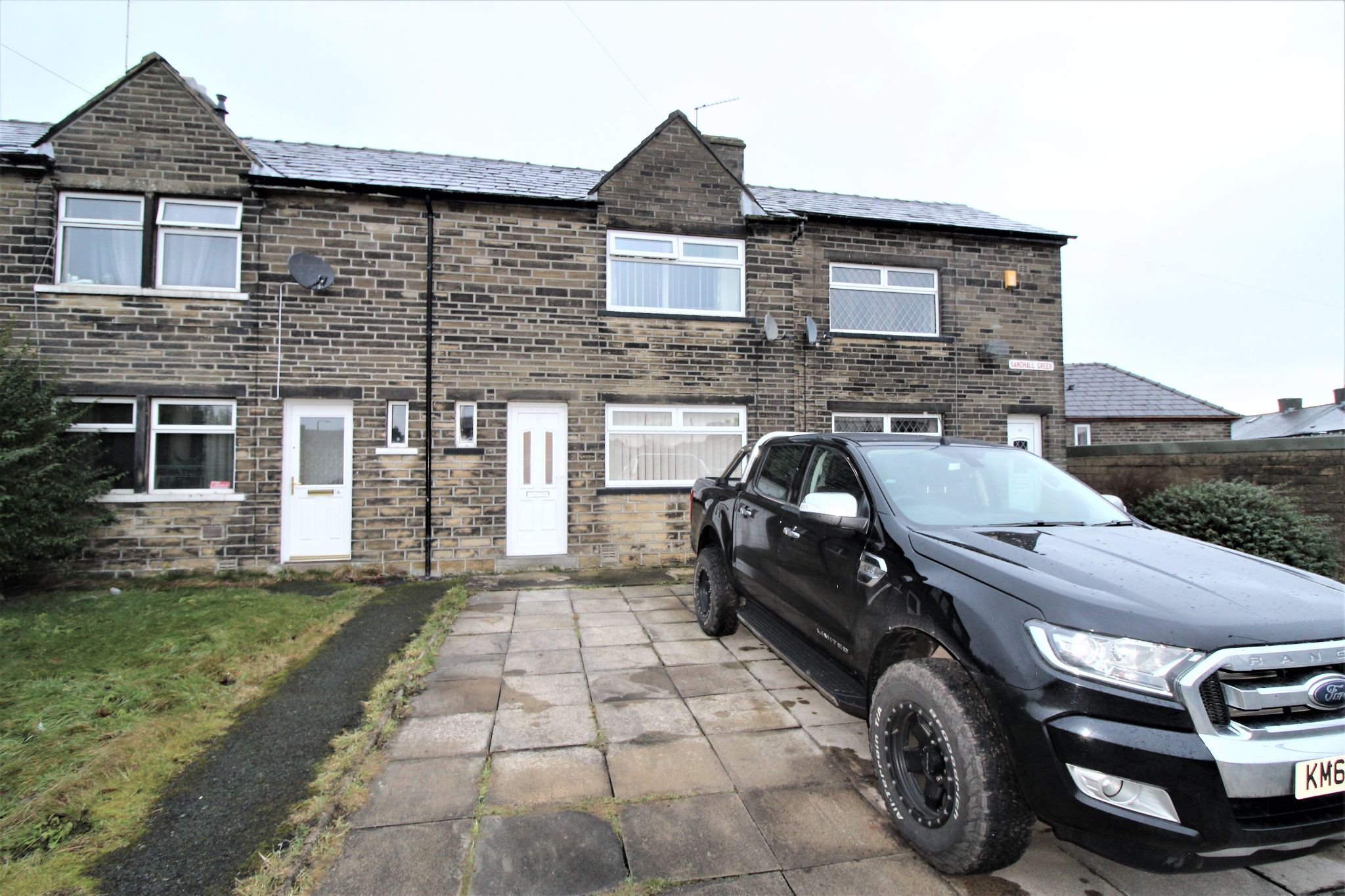 2 bedroom mid terraced house Sold in Halifax - Front aspect