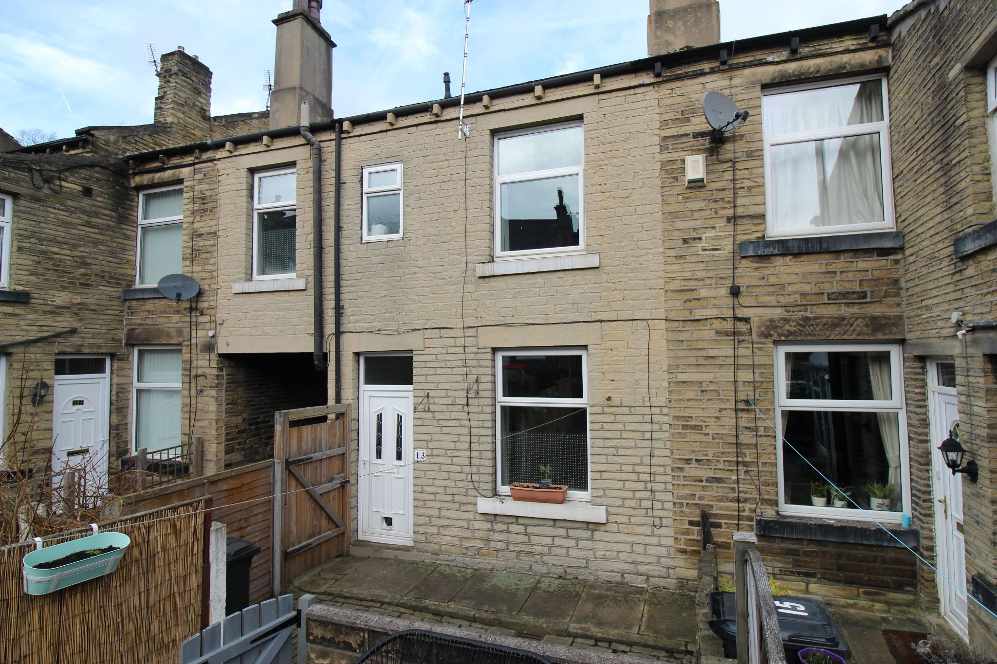 2 bedroom mid terraced house SSTC in Brighouse - Front aspect