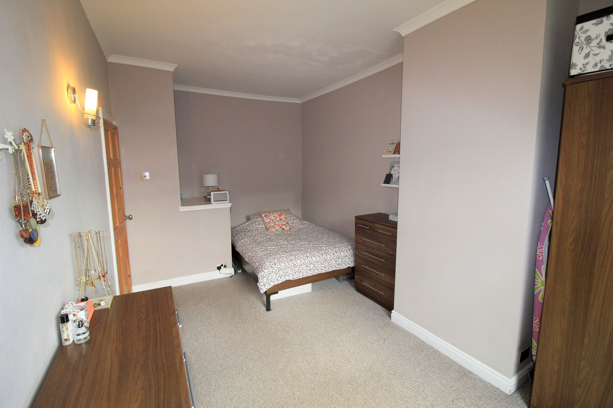 2 bedroom mid terraced house Sale Agreed in Brighouse - Bedroom 1