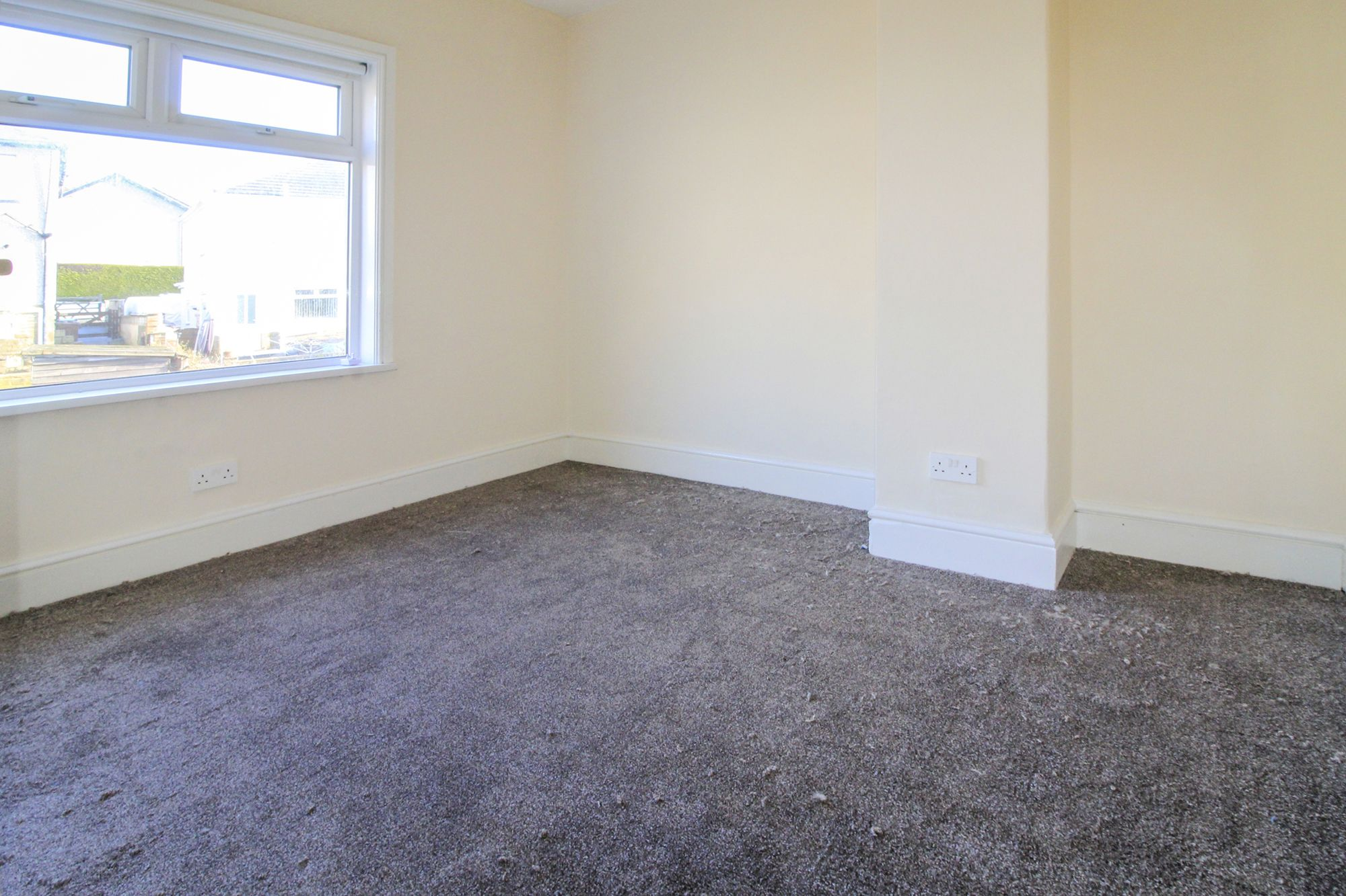 3 bedroom semi-detached house To Let in Shipley - Bedroom 2