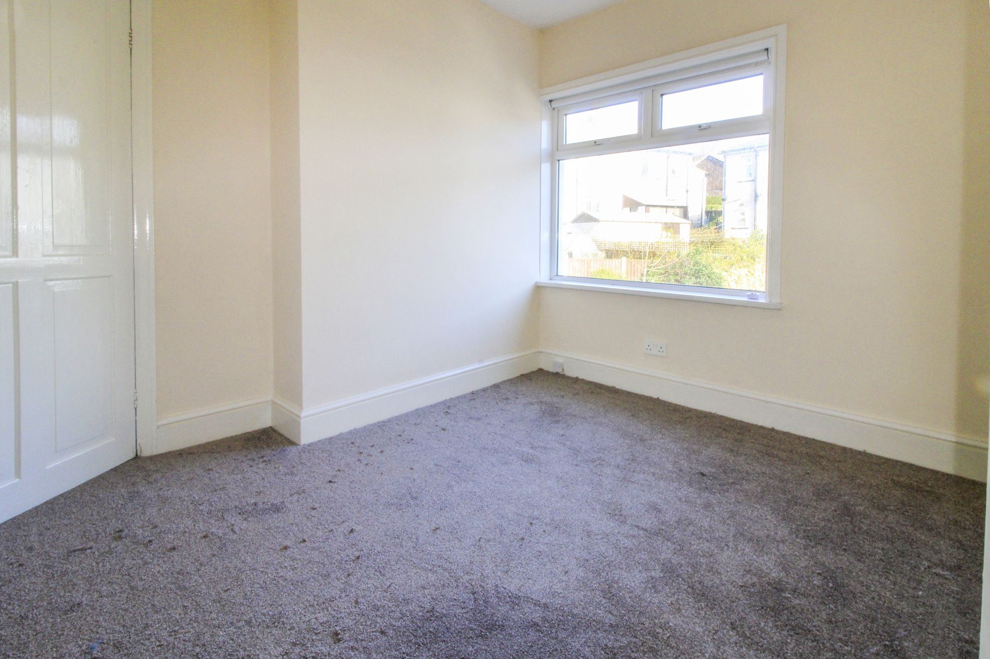 3 bedroom semi-detached house To Let in Shipley - Bedroom