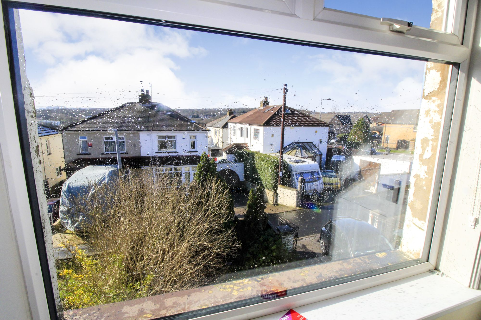 3 bedroom semi-detached house To Let in Shipley - view