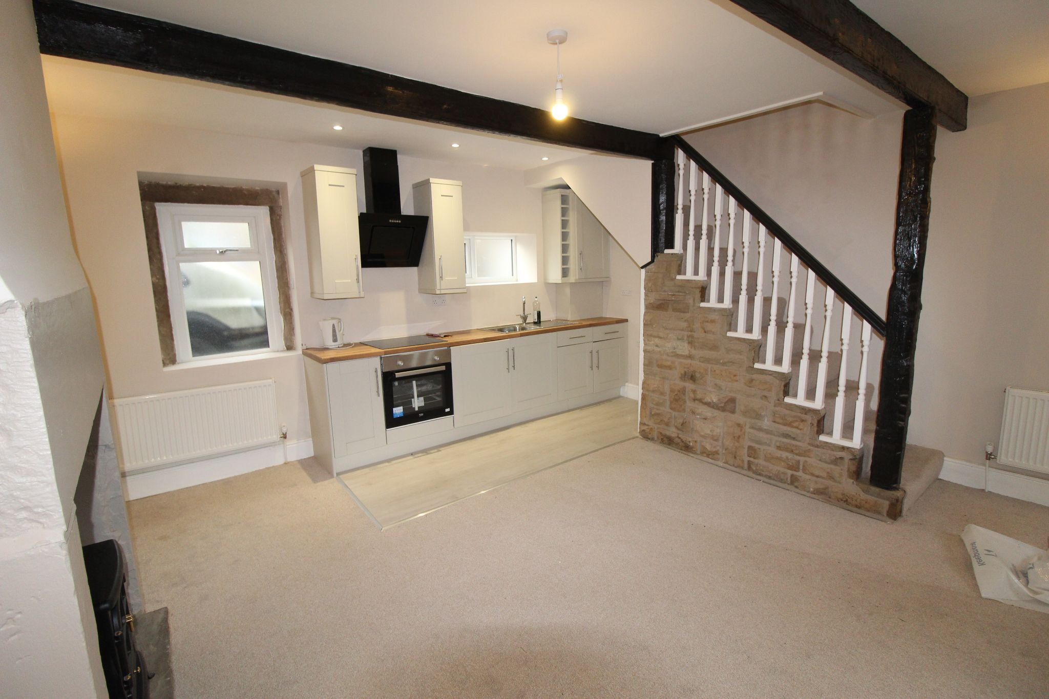 1 bedroom cottage house Let in Bradford - Kitchen and lounge