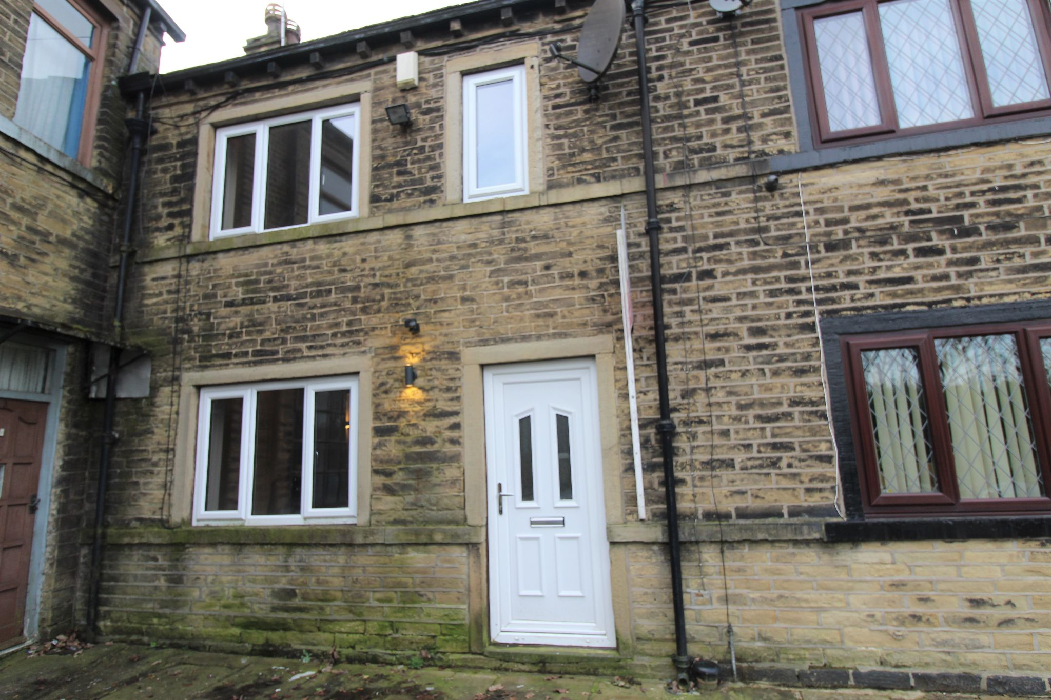 1 bedroom cottage house Let in Bradford - Front aspect