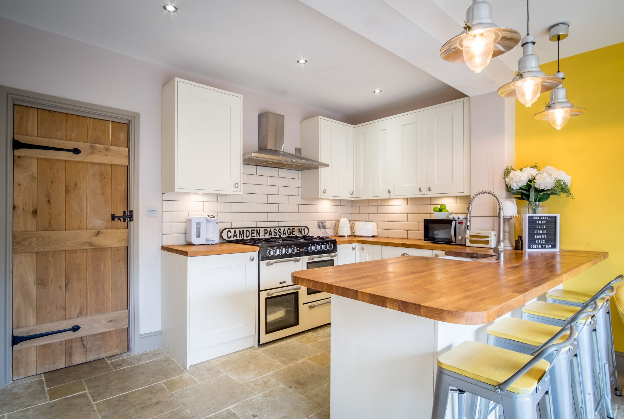 3 bedroom mid terraced house For Sale in Halifax - Kitchen with the breakfast bar
