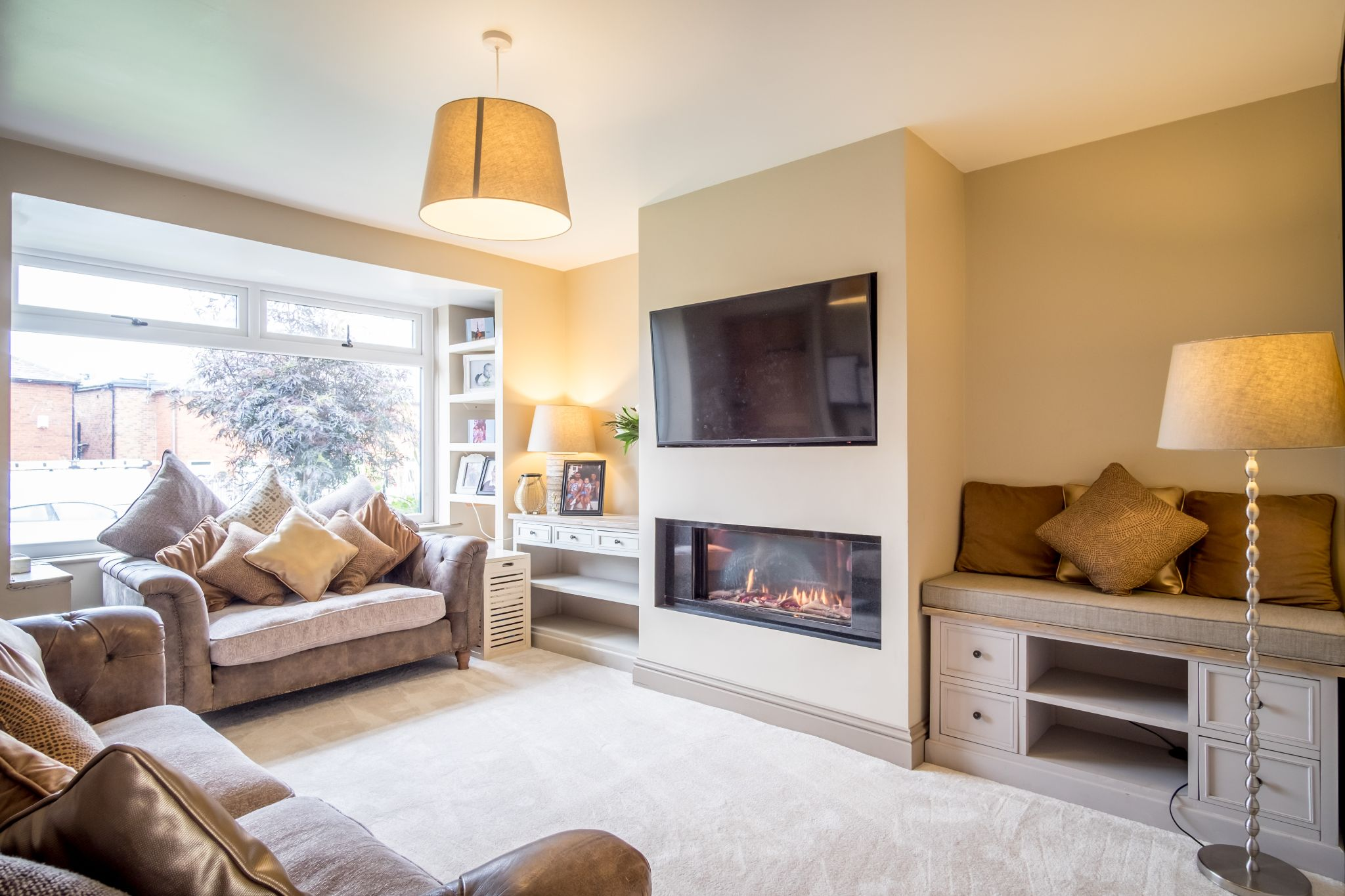 3 bedroom mid terraced house For Sale in Halifax - Lounge