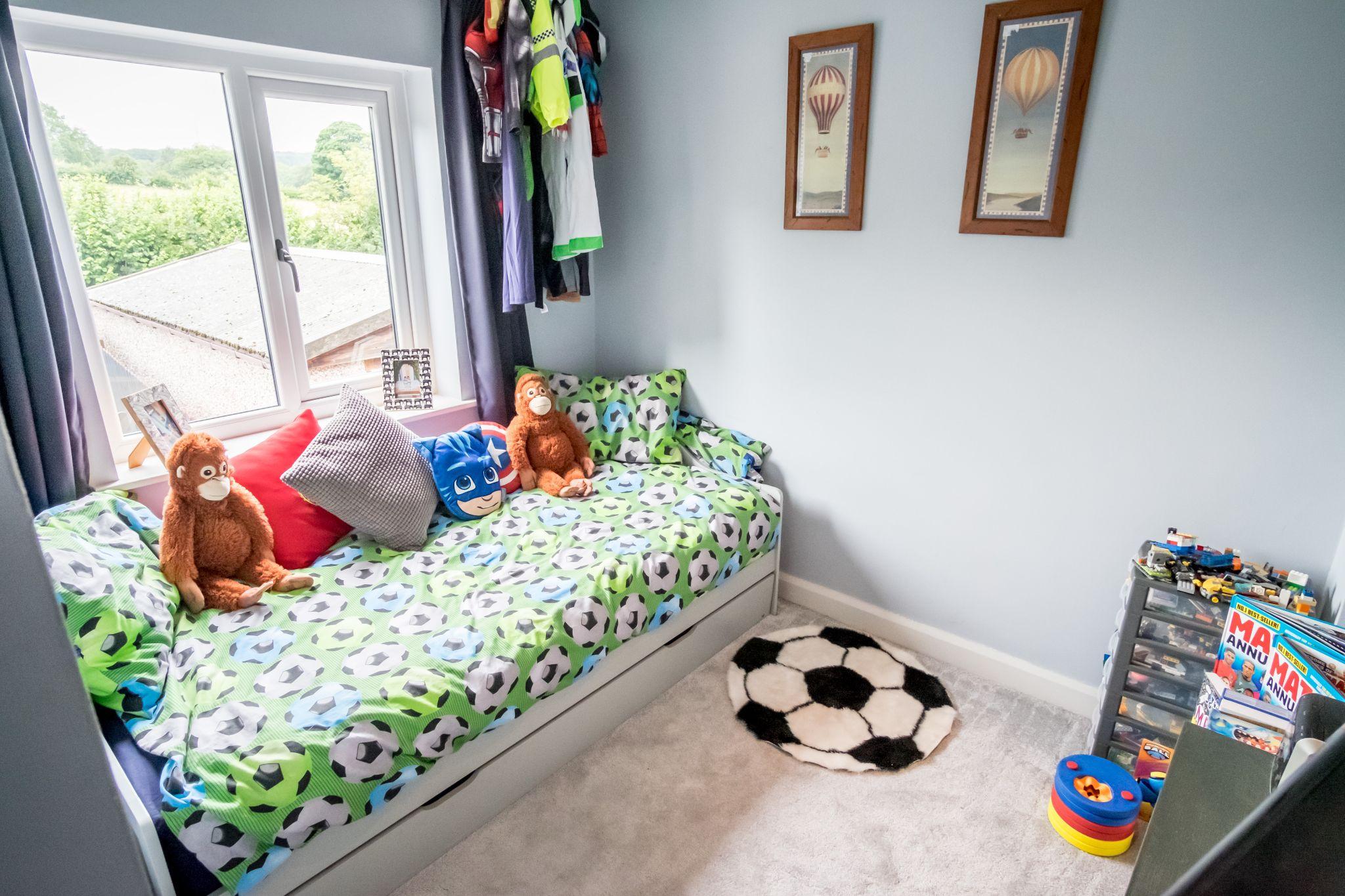 3 bedroom mid terraced house For Sale in Halifax - Bedroom 2