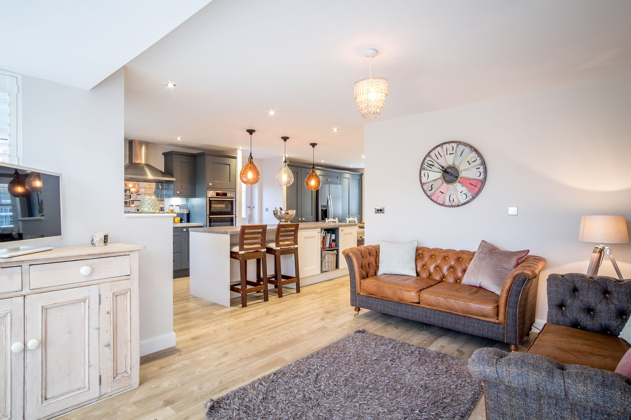 4 bedroom detached house For Sale in Bradford - Property photograph