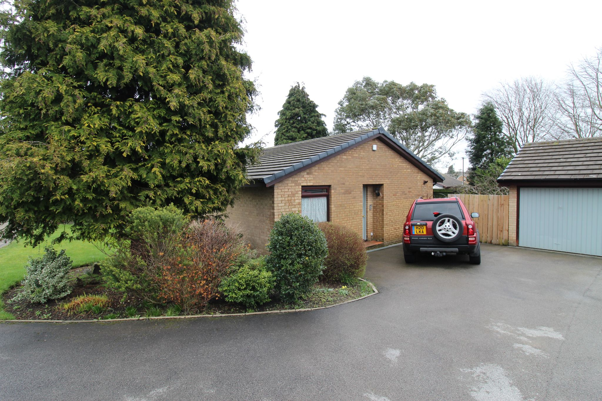 3 bedroom detached bungalow For Sale in Brighouse - Photograph 1