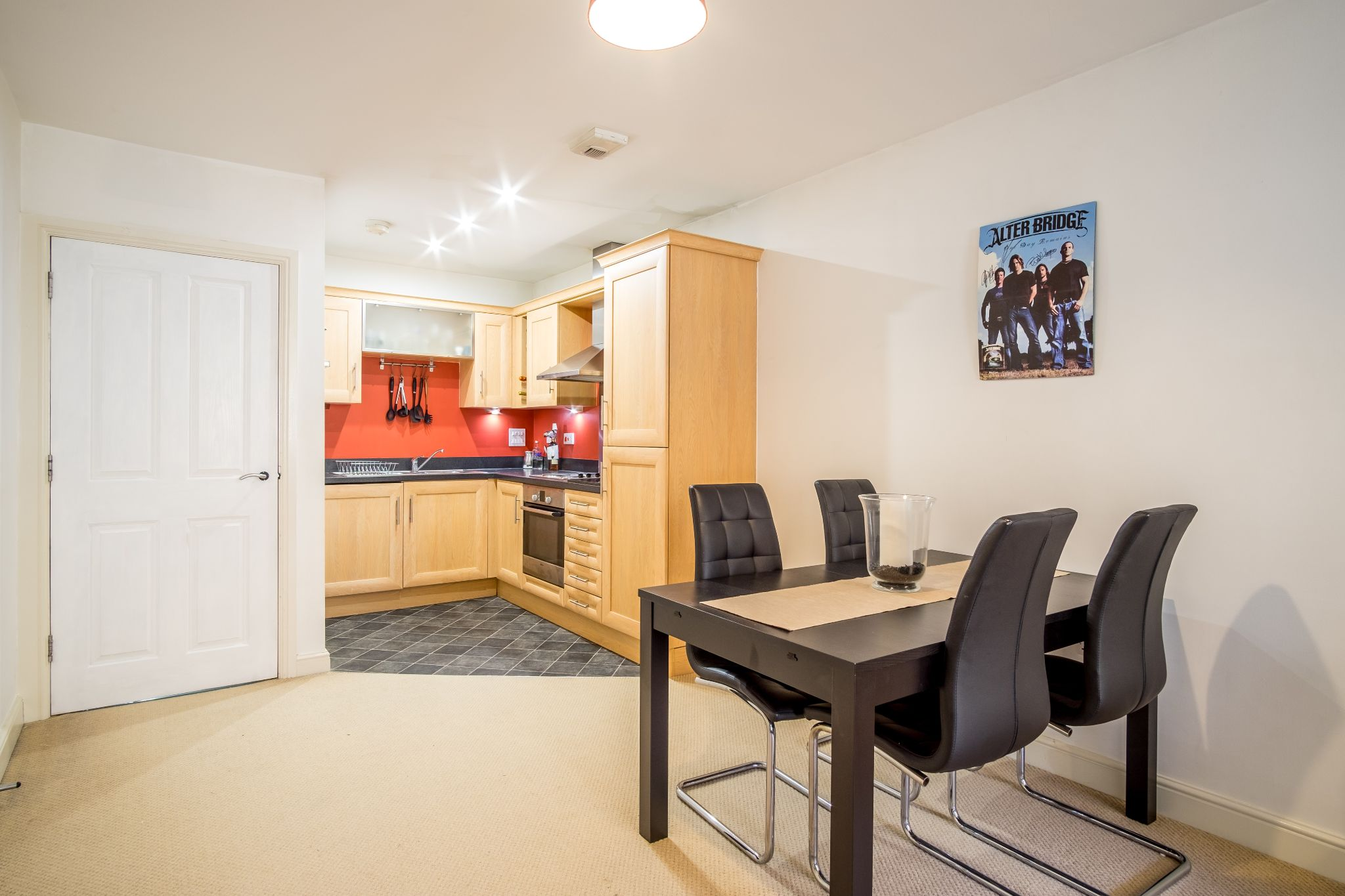 1 bedroom apartment flat/apartment For Sale in Brighouse - Photograph 2
