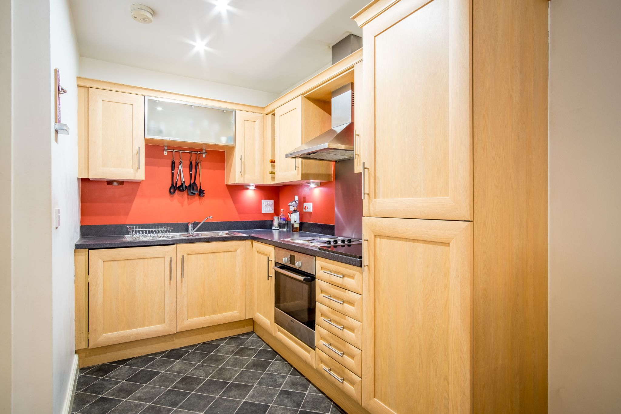 1 bedroom apartment flat/apartment For Sale in Brighouse - Photograph 3