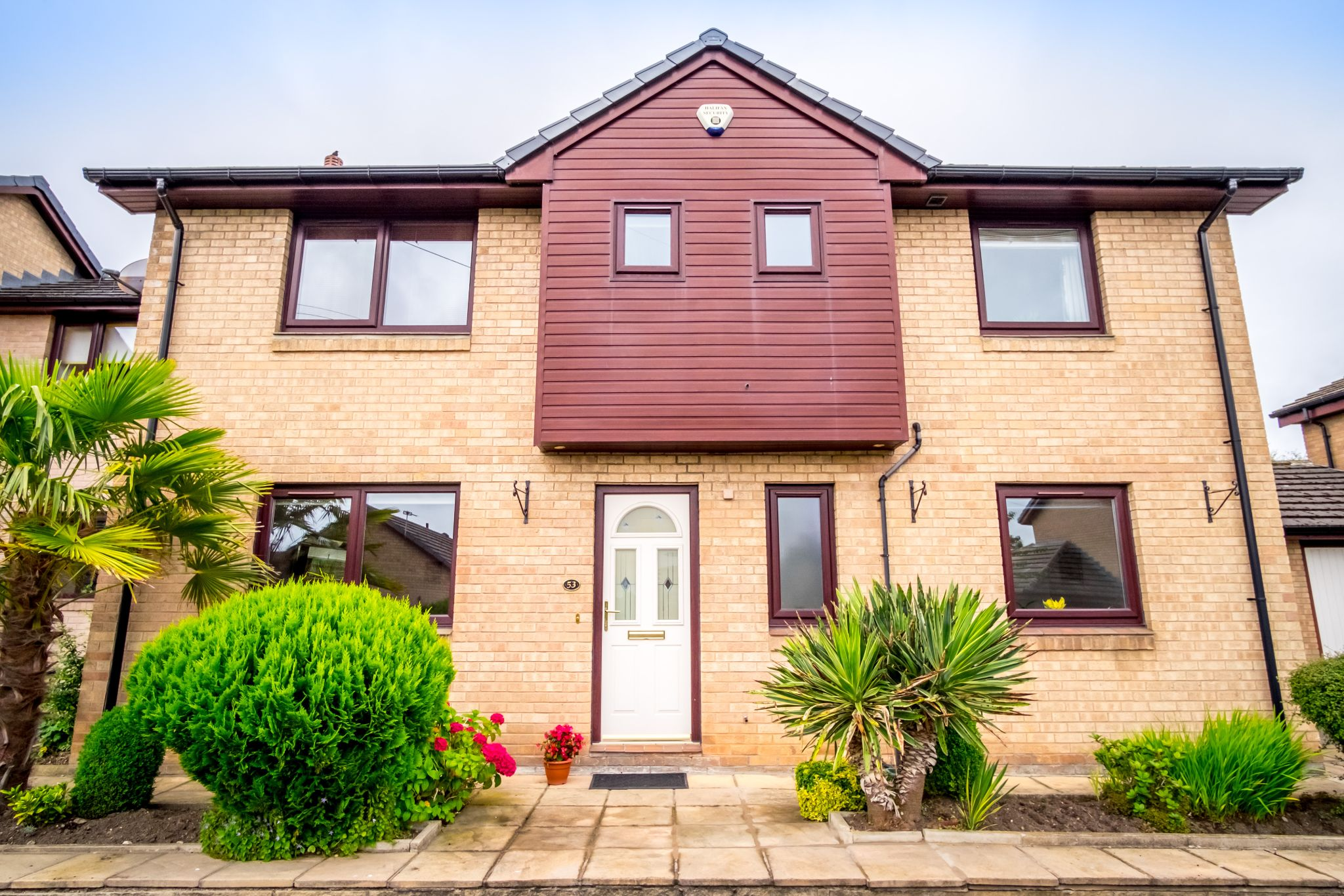 4 bedroom detached house For Sale in Brighouse - Front elevation