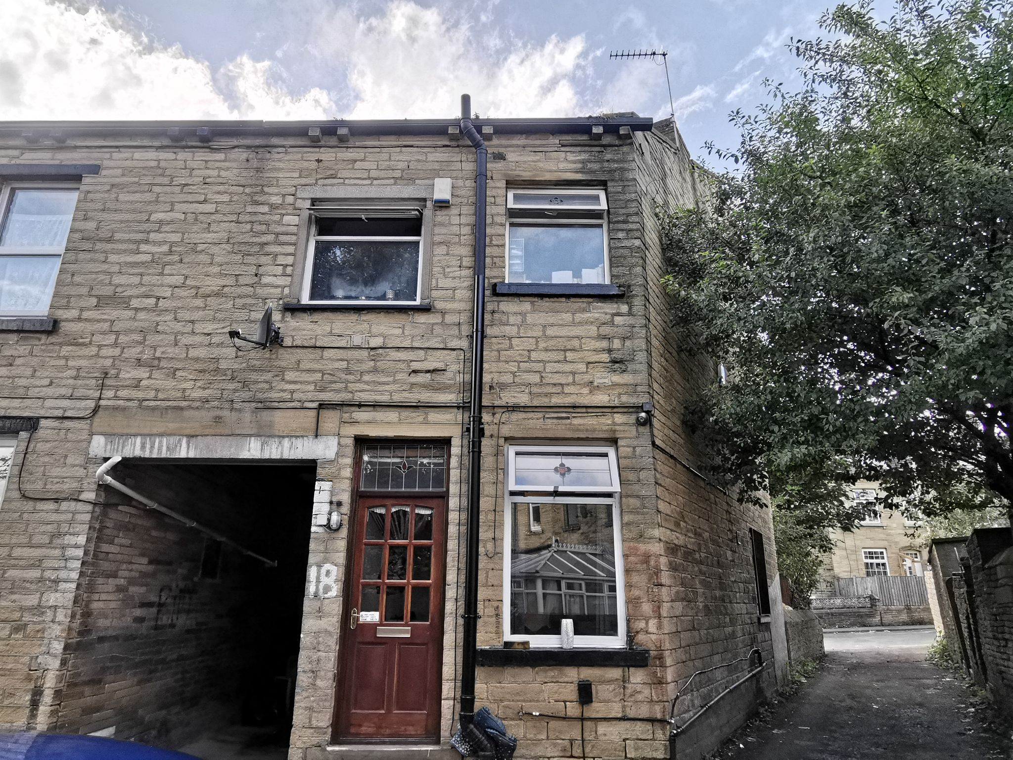 2 bedroom mid terraced house Under Offer in Bradford - Photograph 9.