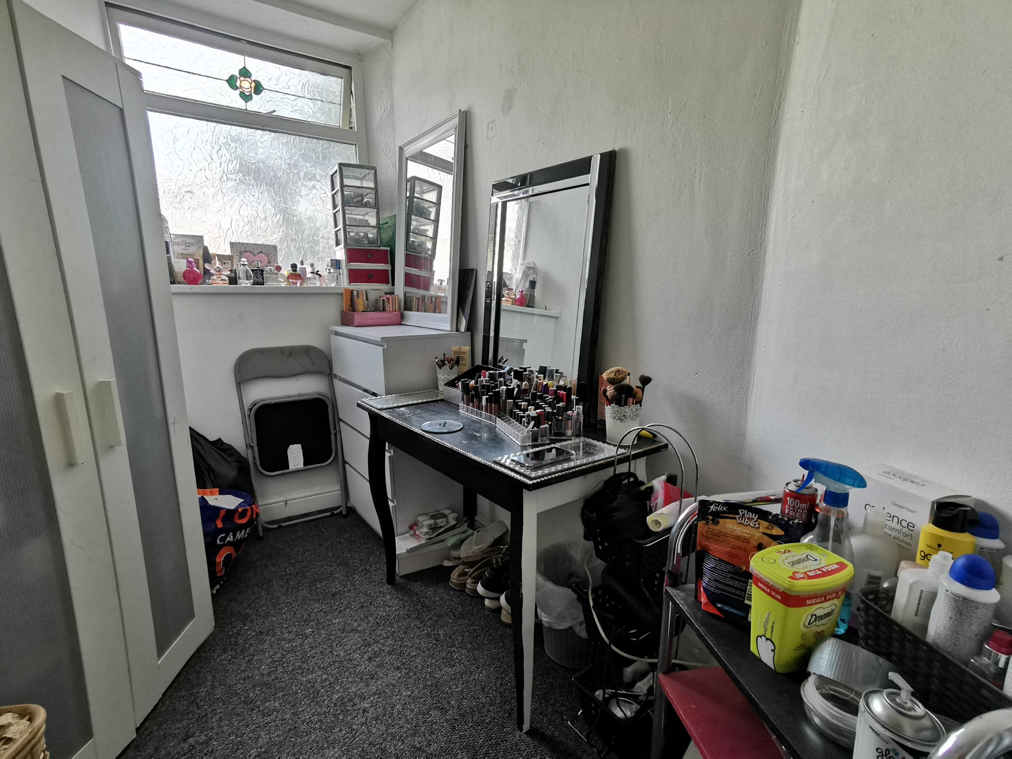 2 bedroom mid terraced house Under Offer in Bradford - Photograph 8.