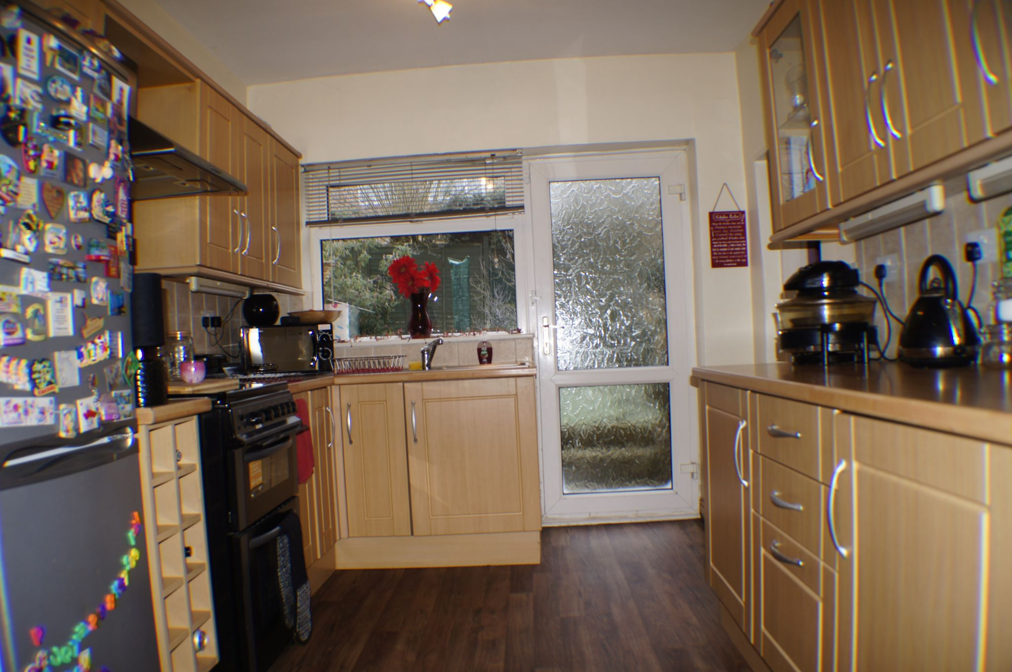 3 bedroom detached house in Bradford - Photograph 6.