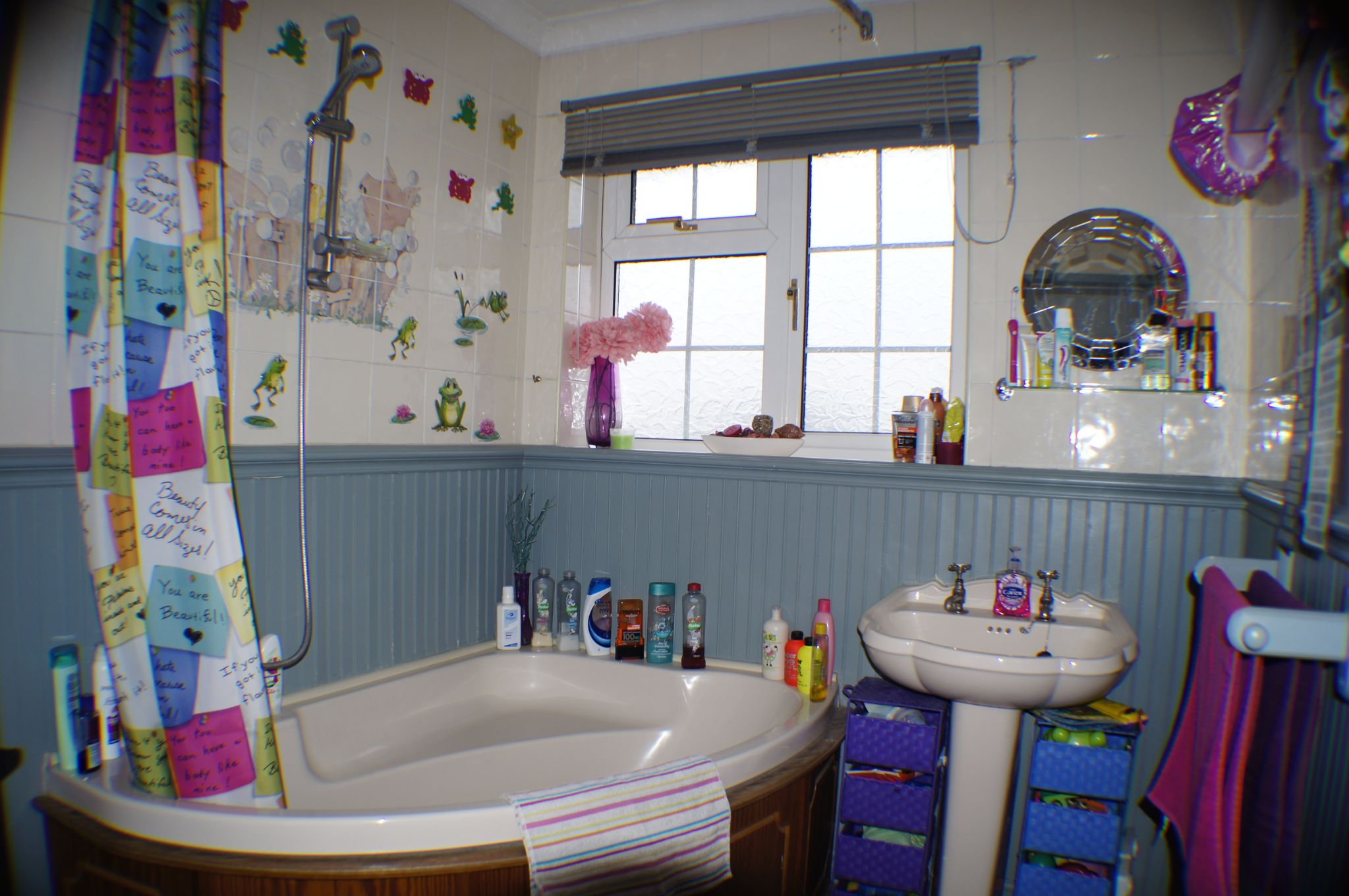 3 bedroom detached house in Bradford - Photograph 11.