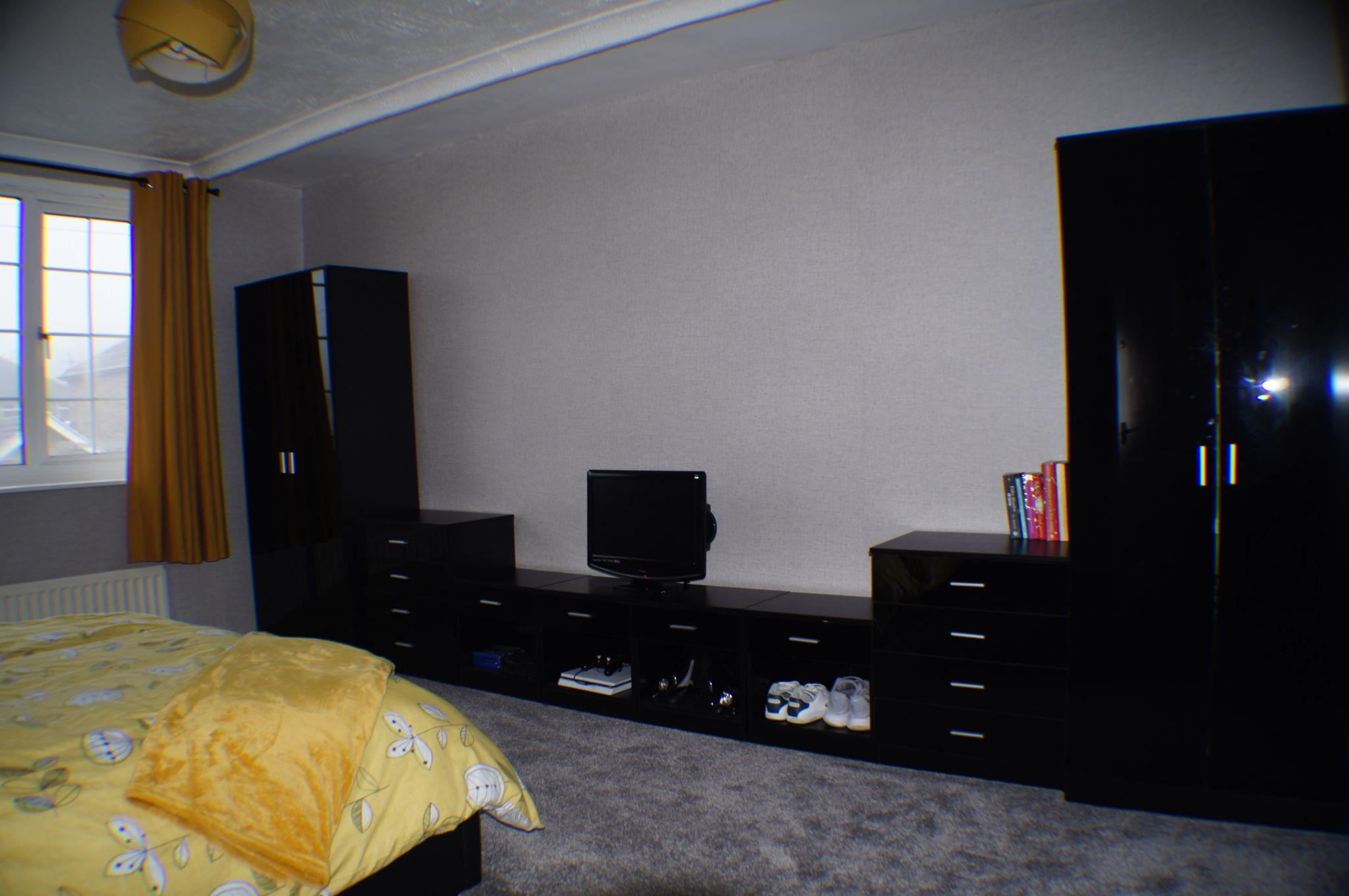 3 bedroom detached house in Bradford - Photograph 8.