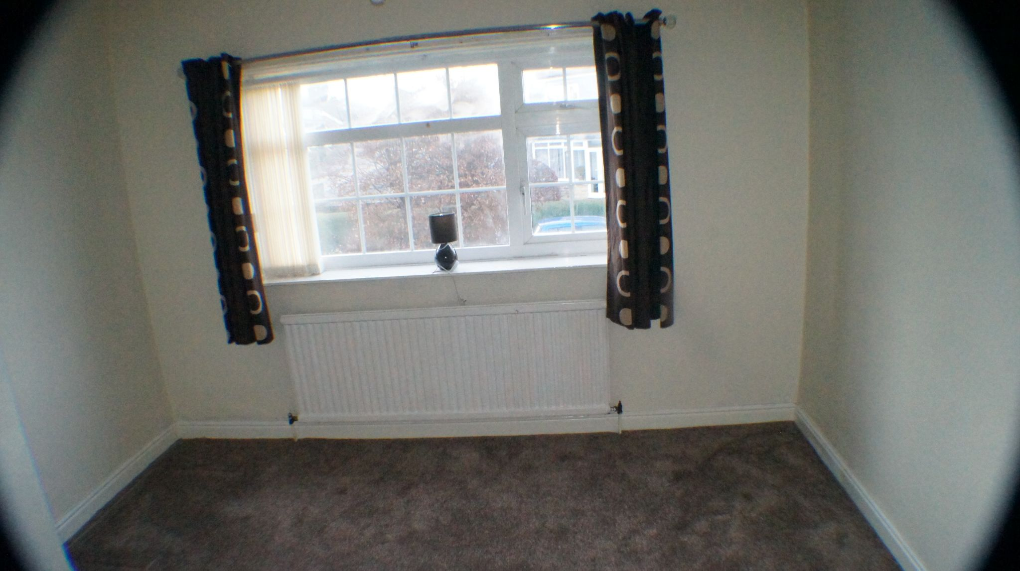 3 bedroom semi-detached house Let Agreed in Bradford - Photograph 8.