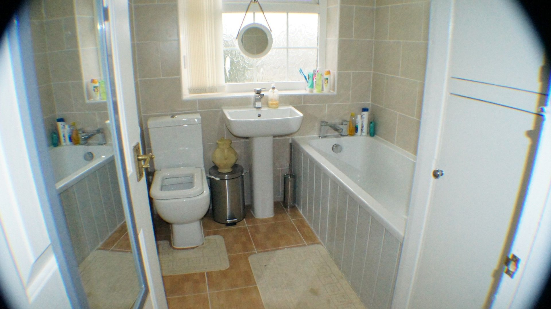 3 bedroom semi-detached house Let Agreed in Bradford - Photograph 6.
