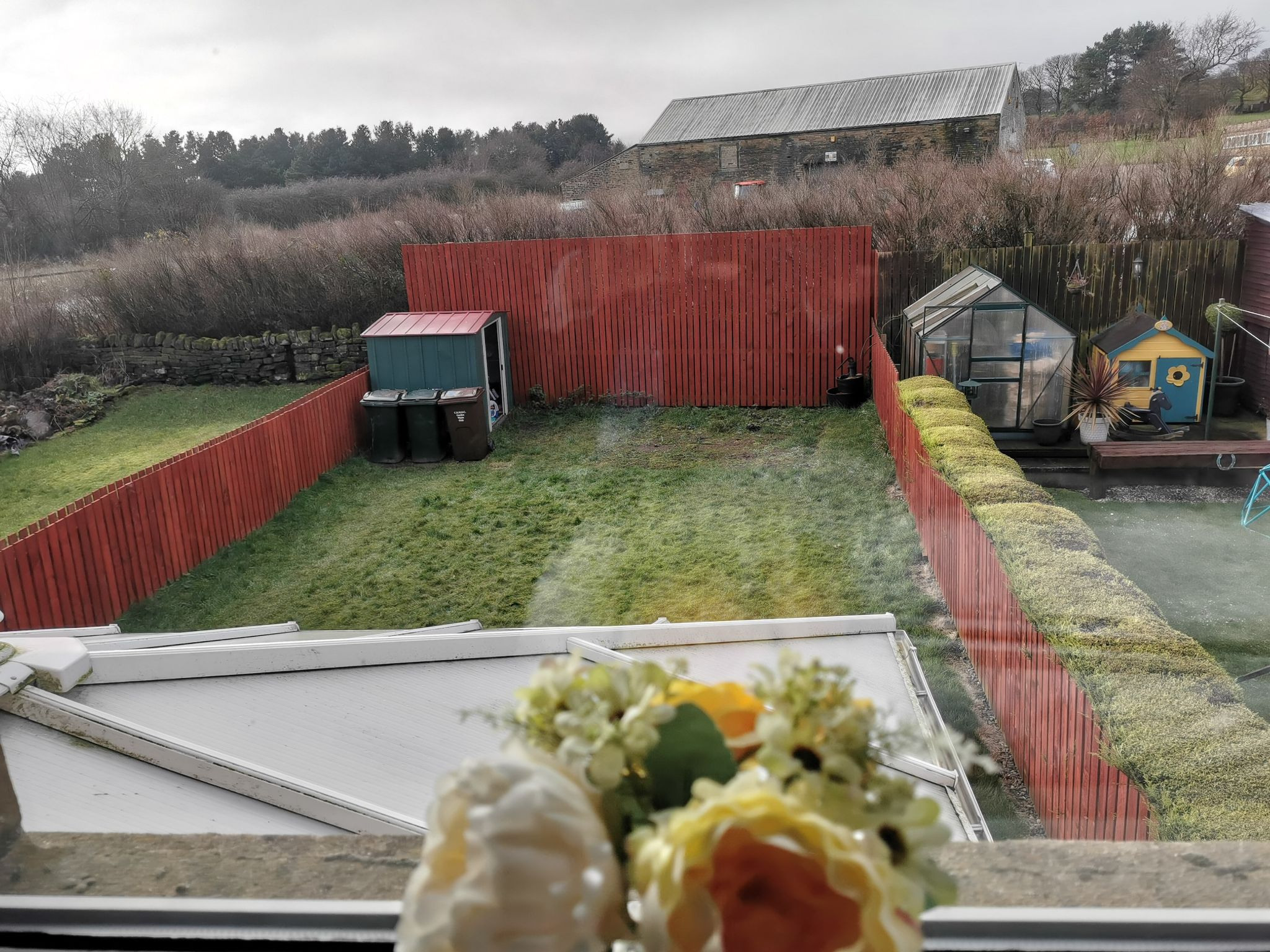 3 bedroom semi-detached house in Bradford - Photograph 15.