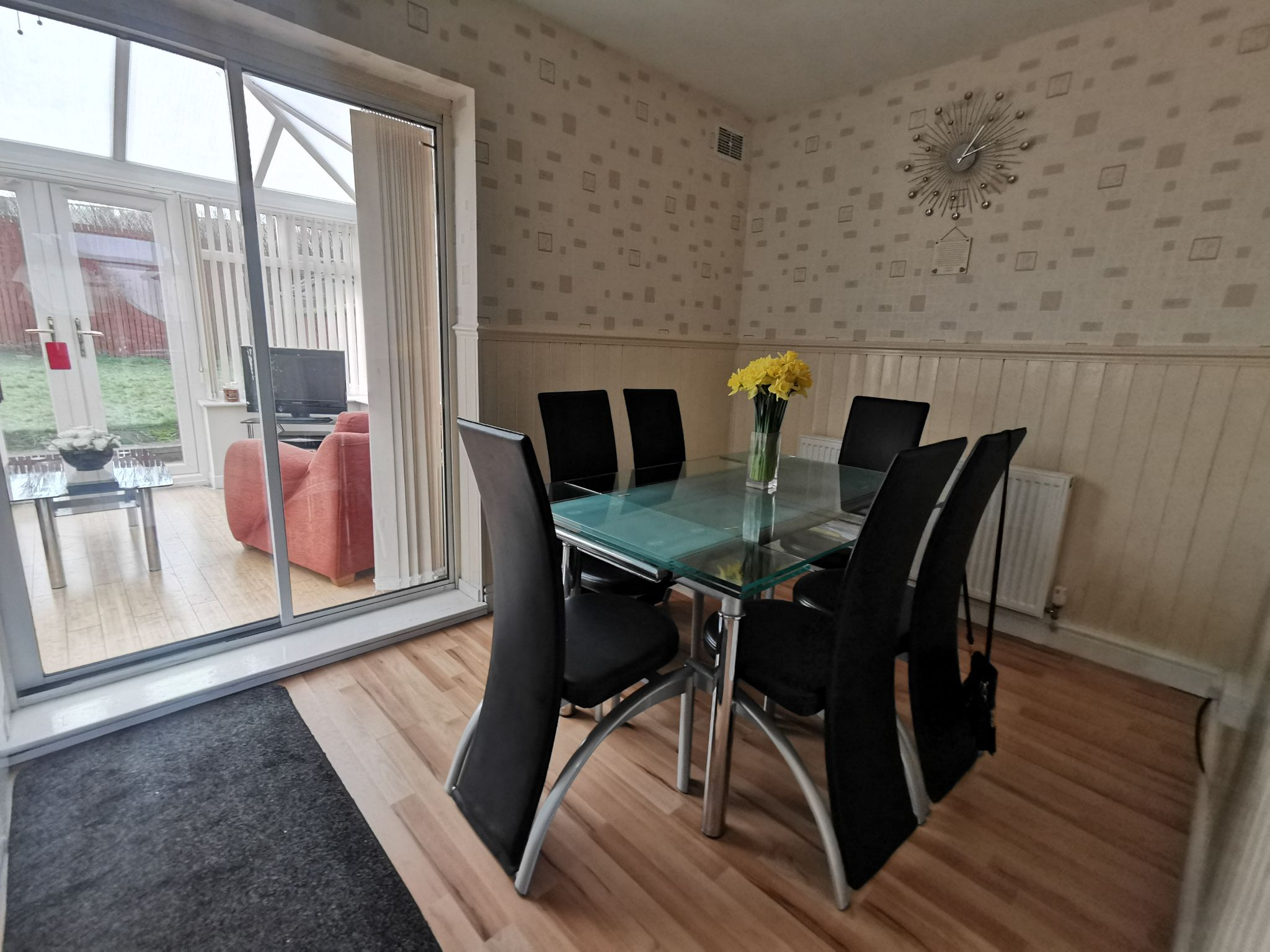 3 bedroom semi-detached house in Bradford - Photograph 4.
