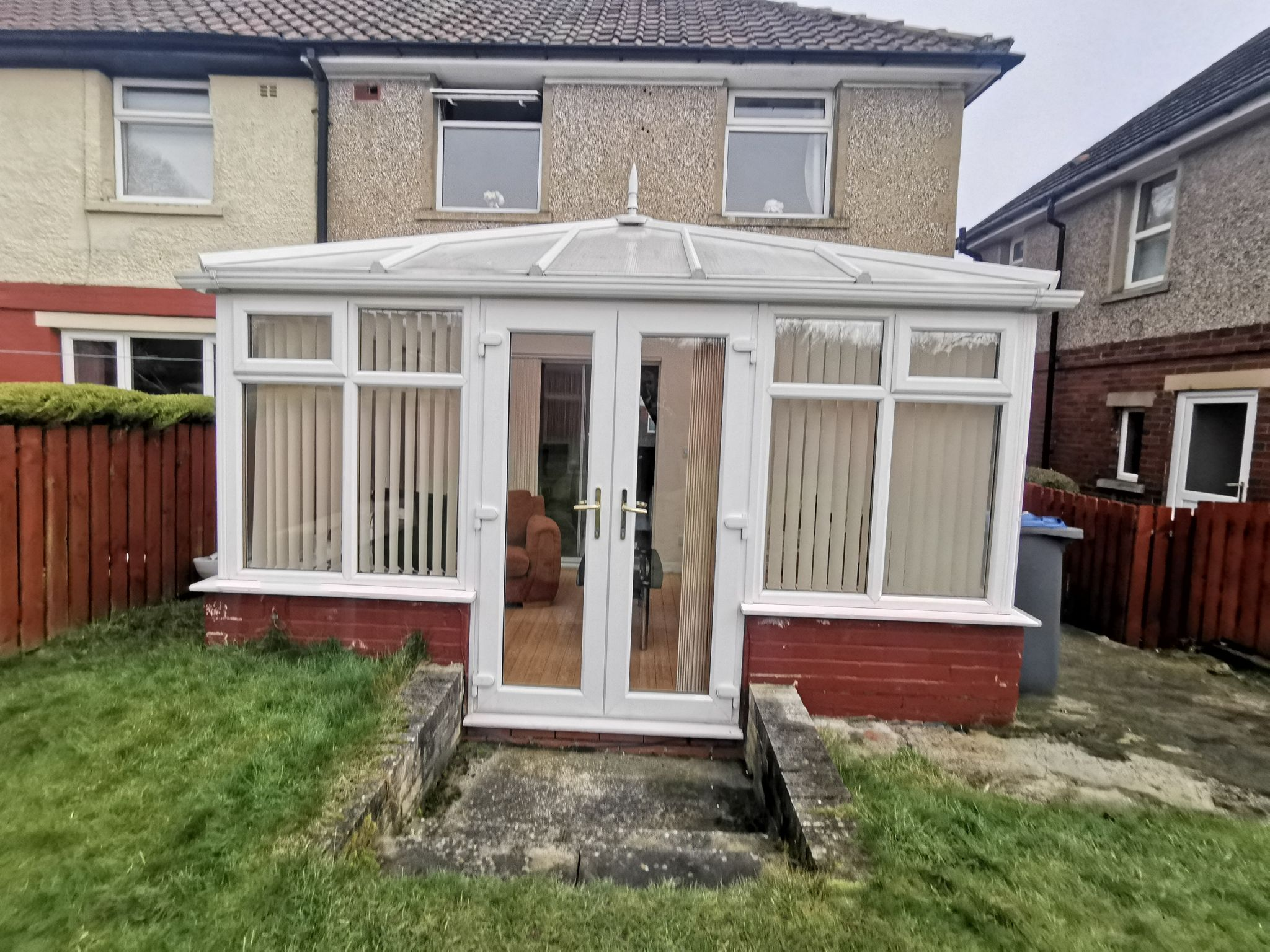 3 bedroom semi-detached house in Bradford - Photograph 19.
