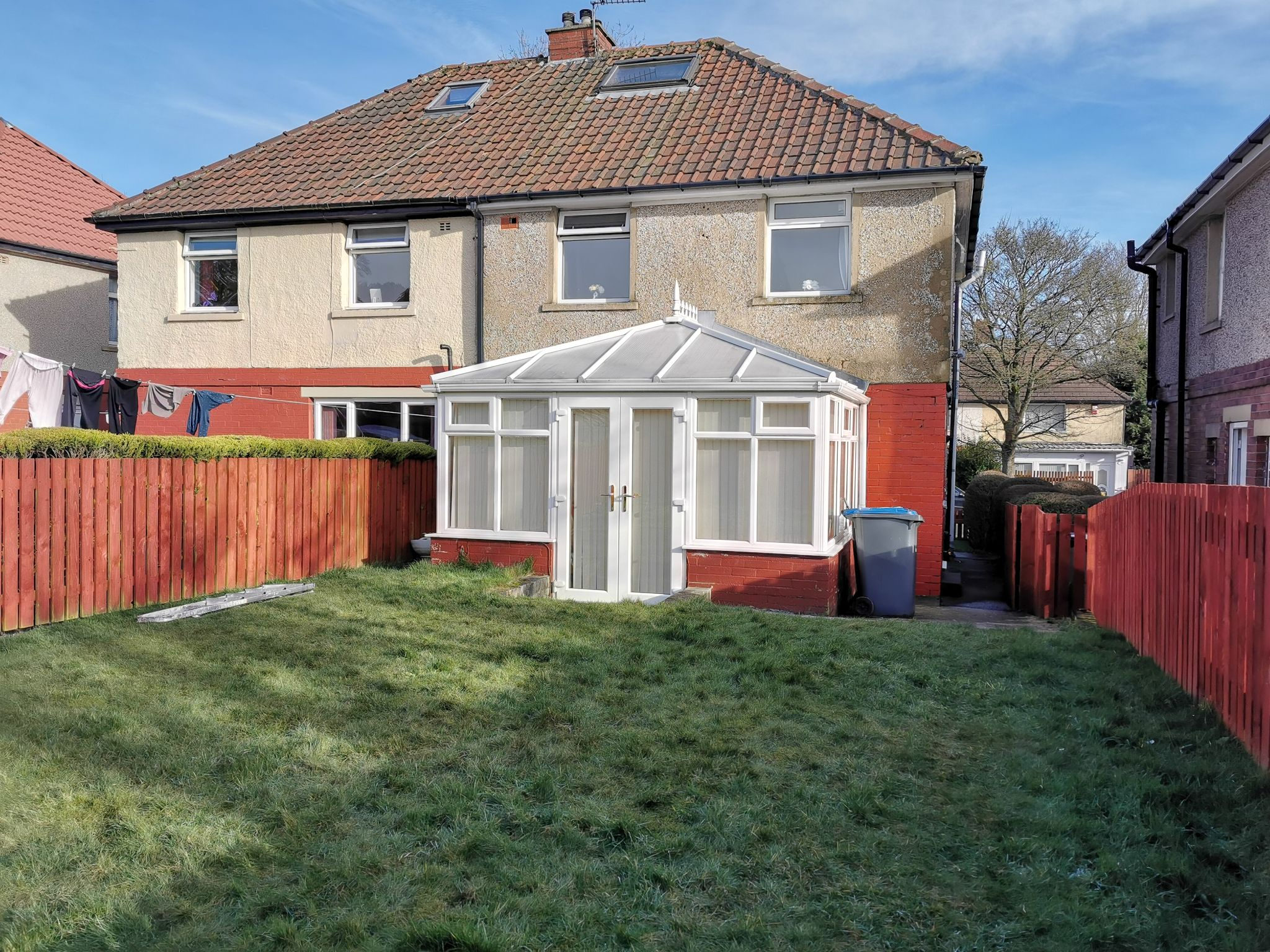 3 bedroom semi-detached house in Bradford - Photograph 23.