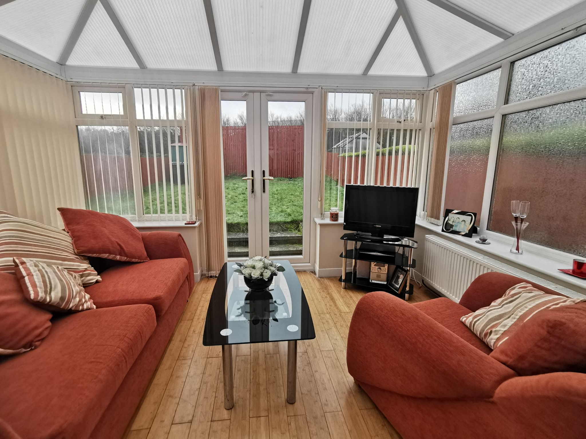 3 bedroom semi-detached house in Bradford - Photograph 18.