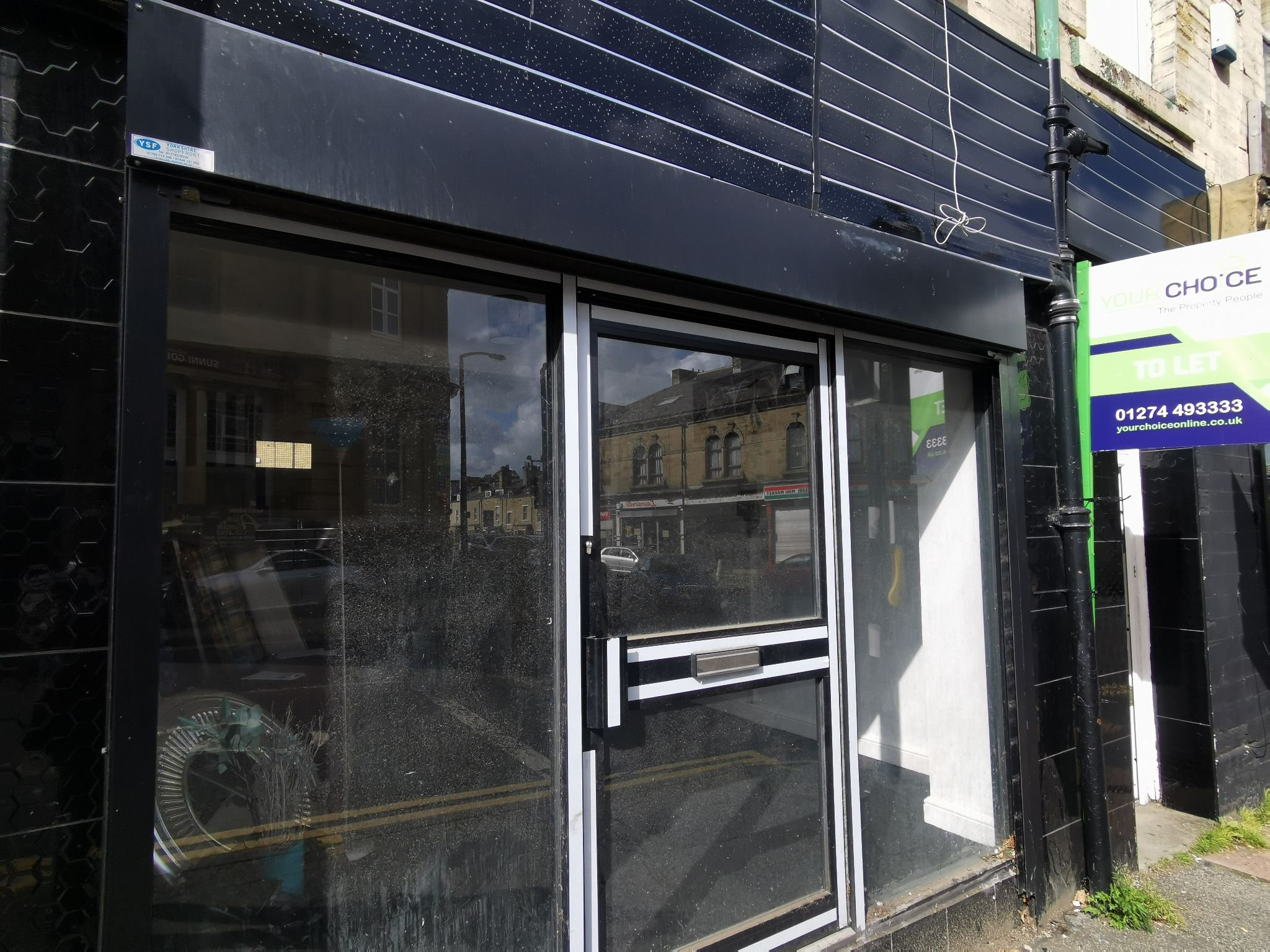 Retail Let Agreed in Bradford - Photograph 1.