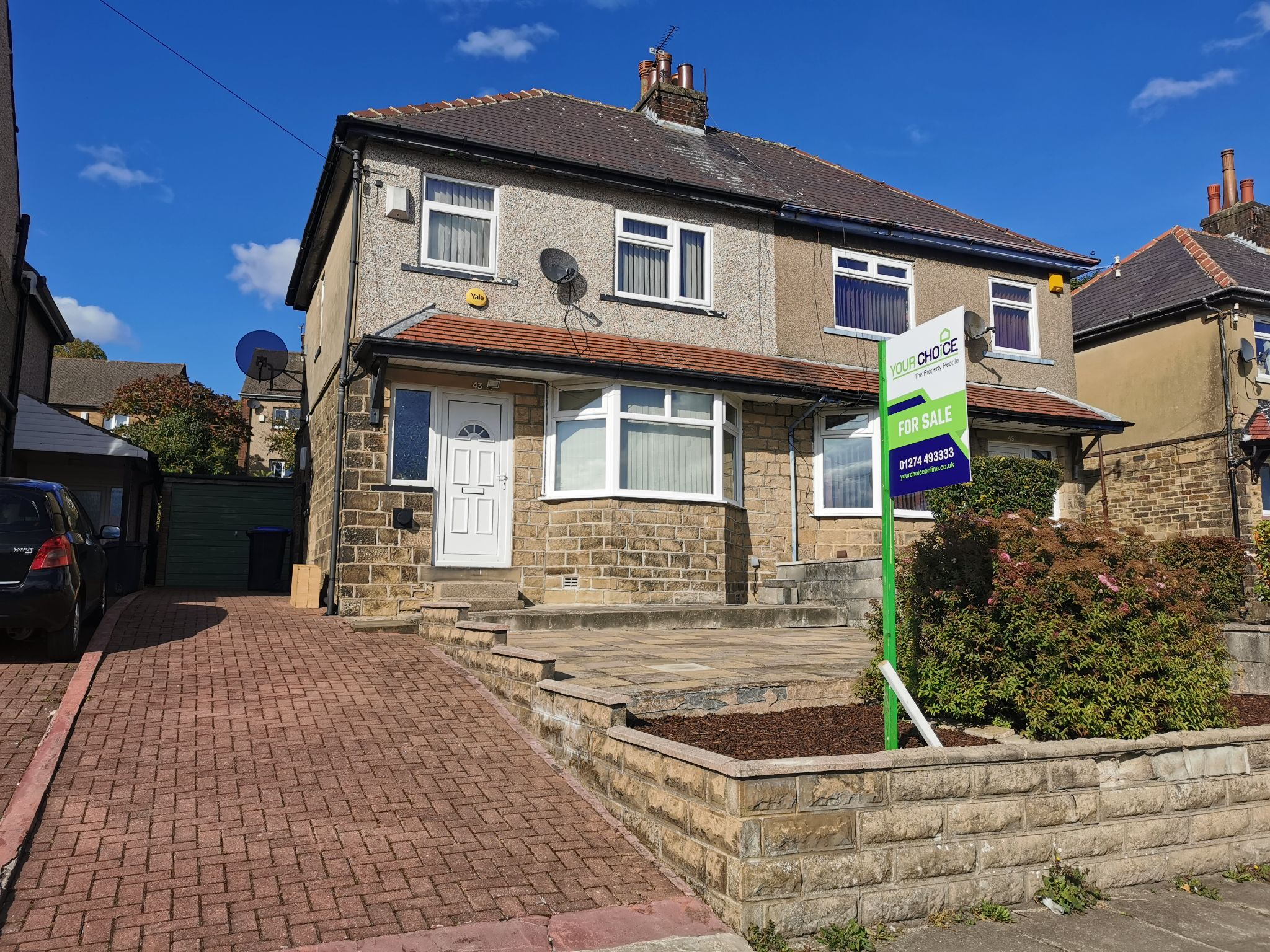 3 bedroom semi-detached house in Bradford - Photograph 1.