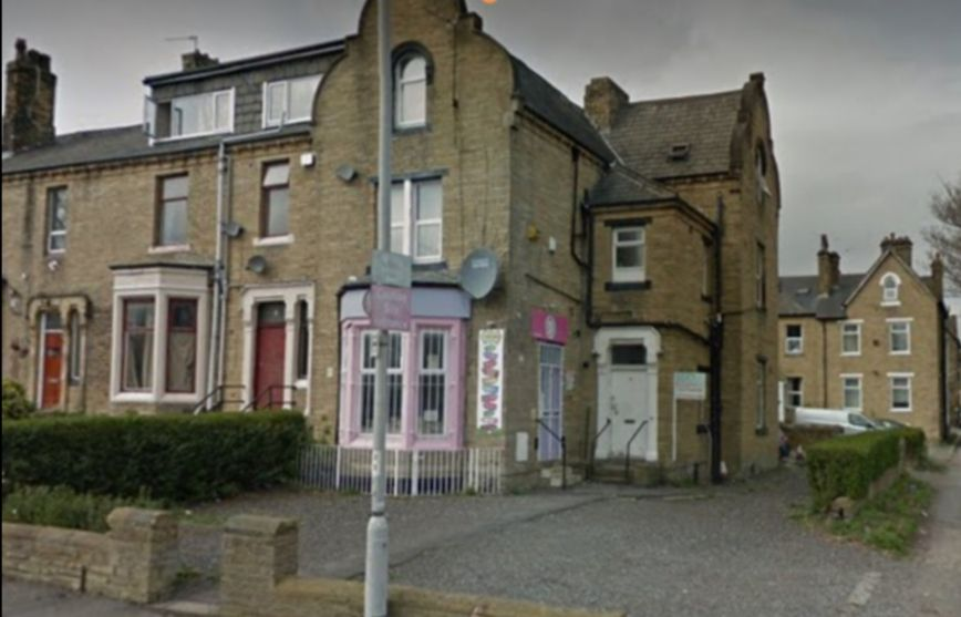 1 bedroom bedsit flat/apartment in Bradford - Photograph 6.
